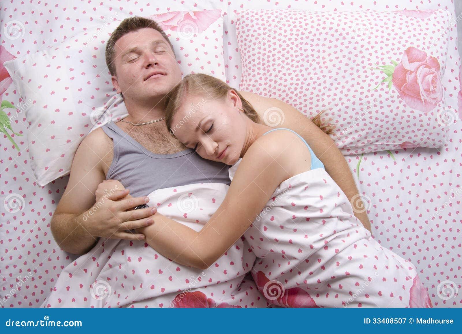 Мой брат меня во сне рассказ. трахнул порно