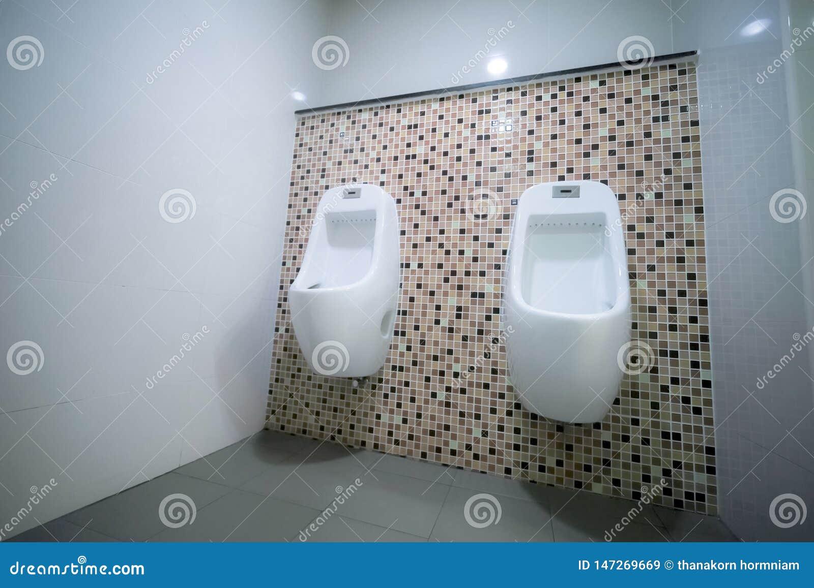 Мужские санитарные изделия