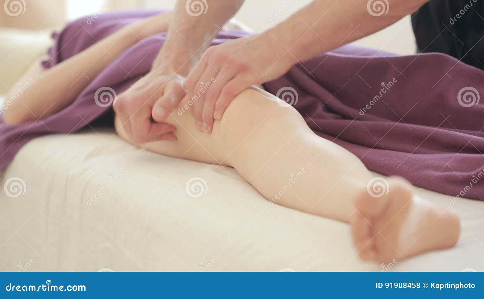 Мужской массаж для девушек в москве индивидуалки приват