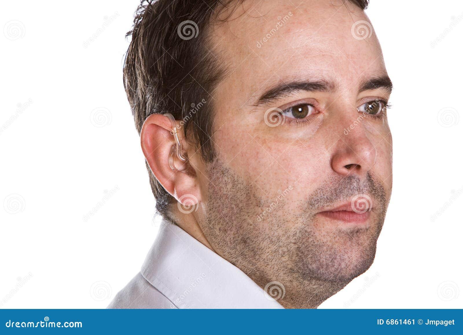 мужчина слуха помощи красивый