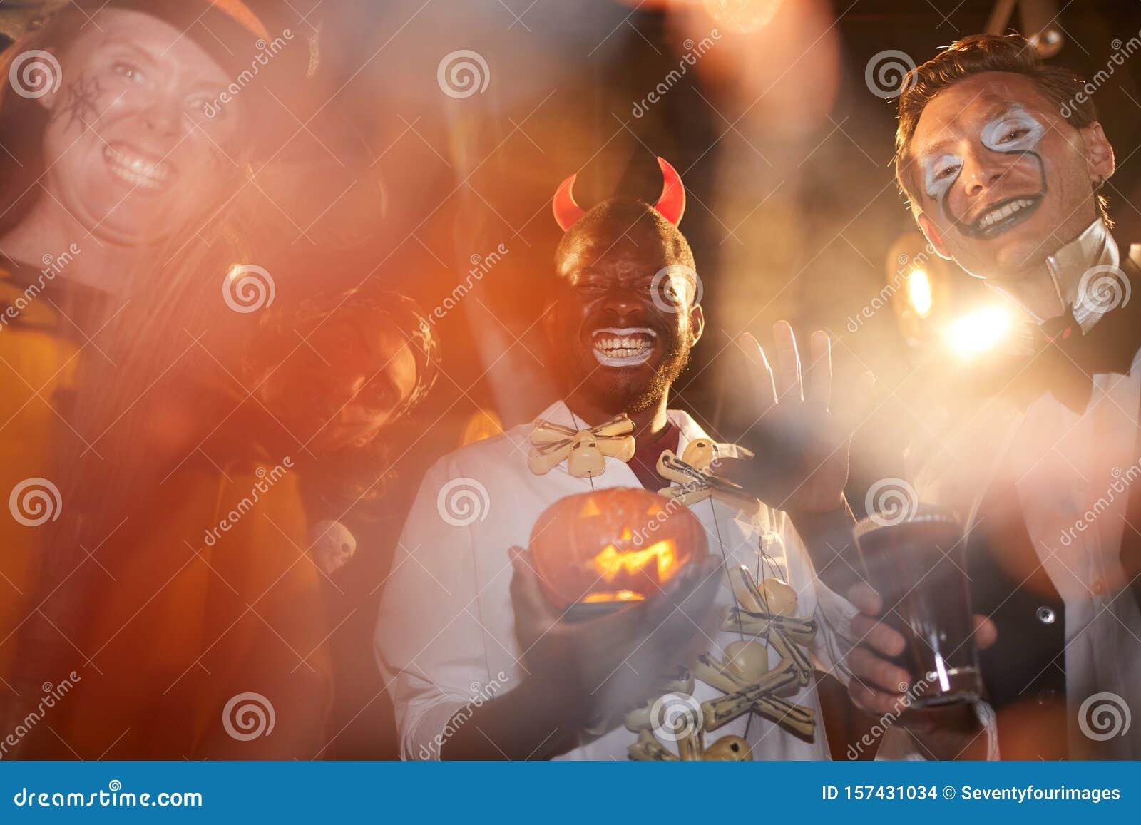 Фотографии мужчин в ночных клубах бар ресторан москва клуб