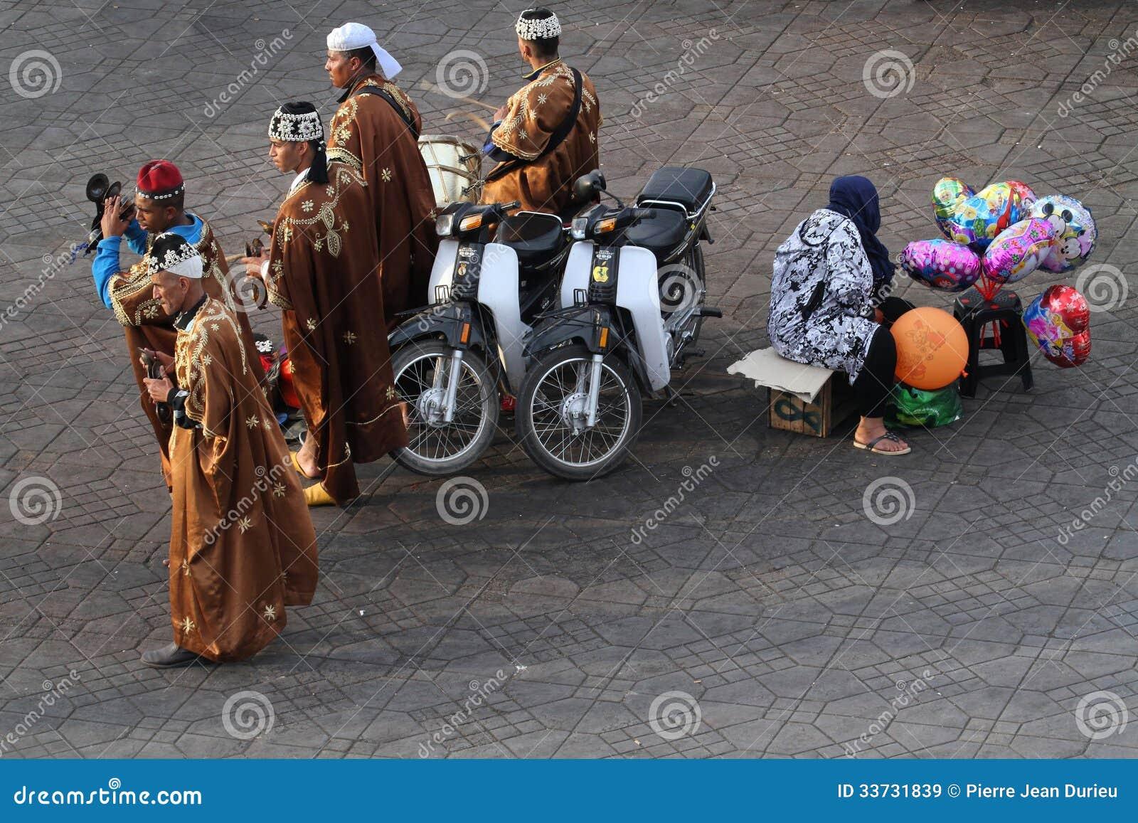 Музыканты на квадрате Djemaa El Fna