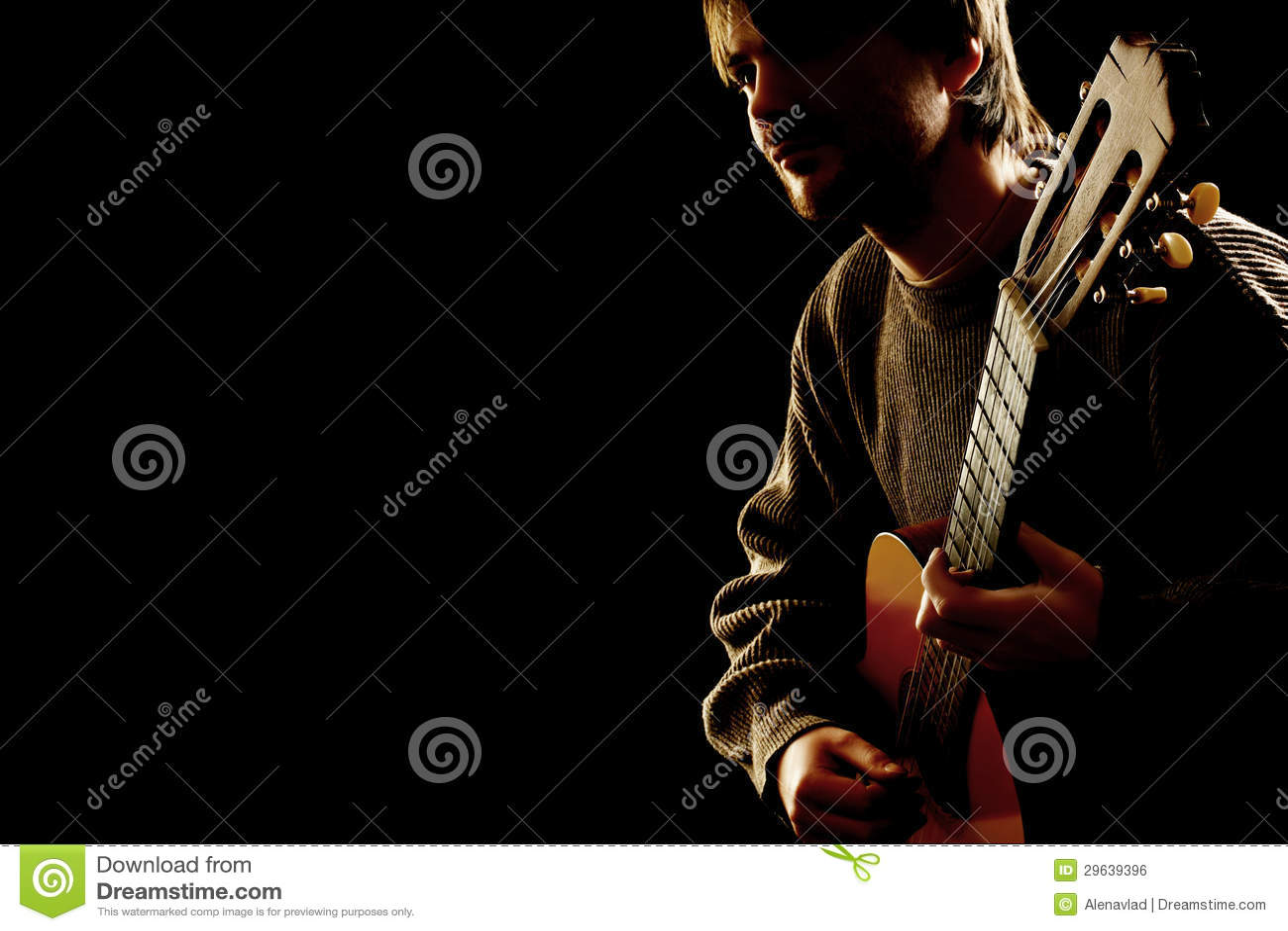 Музыкант гитариста на концерте