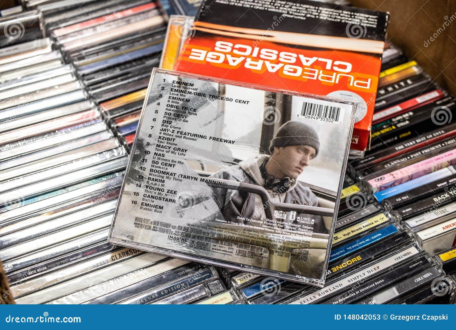 Музыка к кинофильмам суда 8 RD мили мобильная альбомом CD Eminem на дисплее для продажи, известный американский тазобедренный рэп