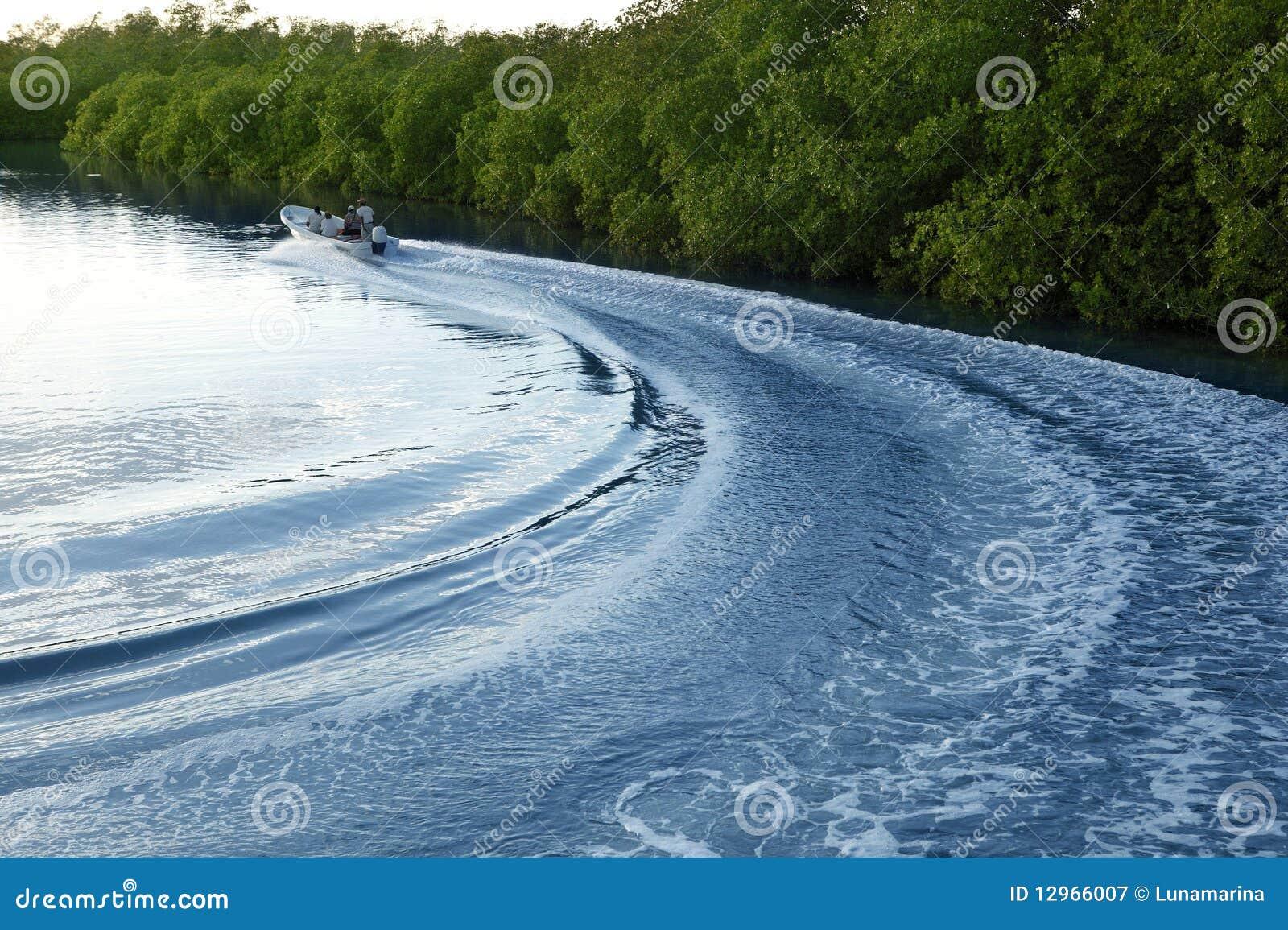 мытье бодрствования захода солнца корабля реки упорки озера шлюпки