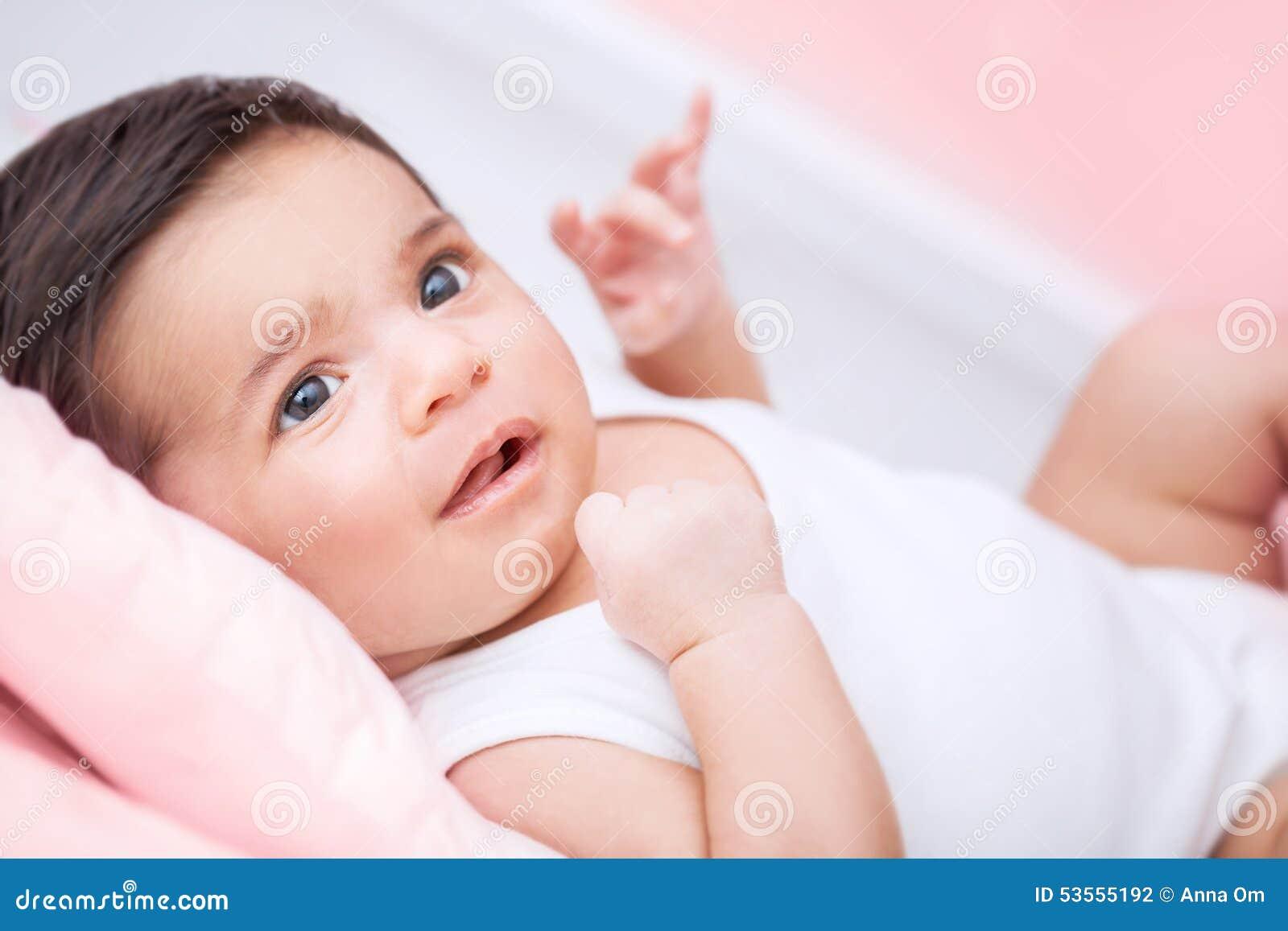 младенец милый немногая