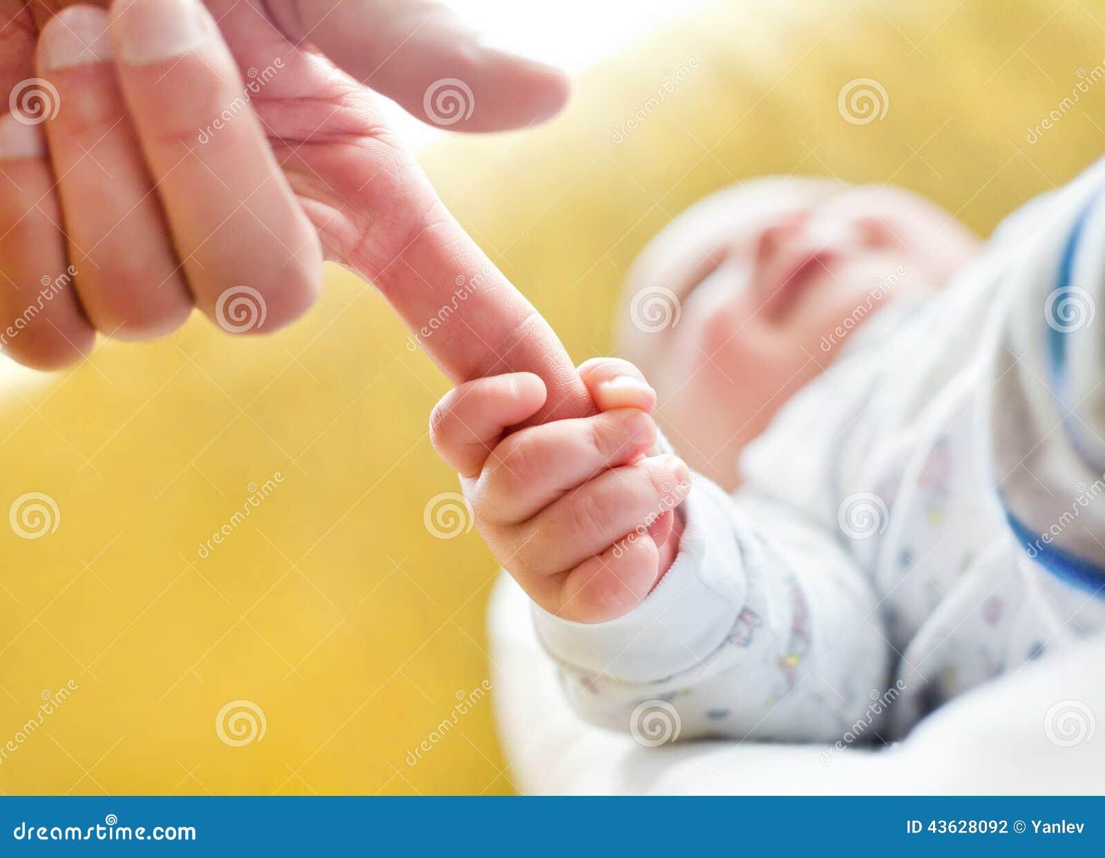 Младенец ручки