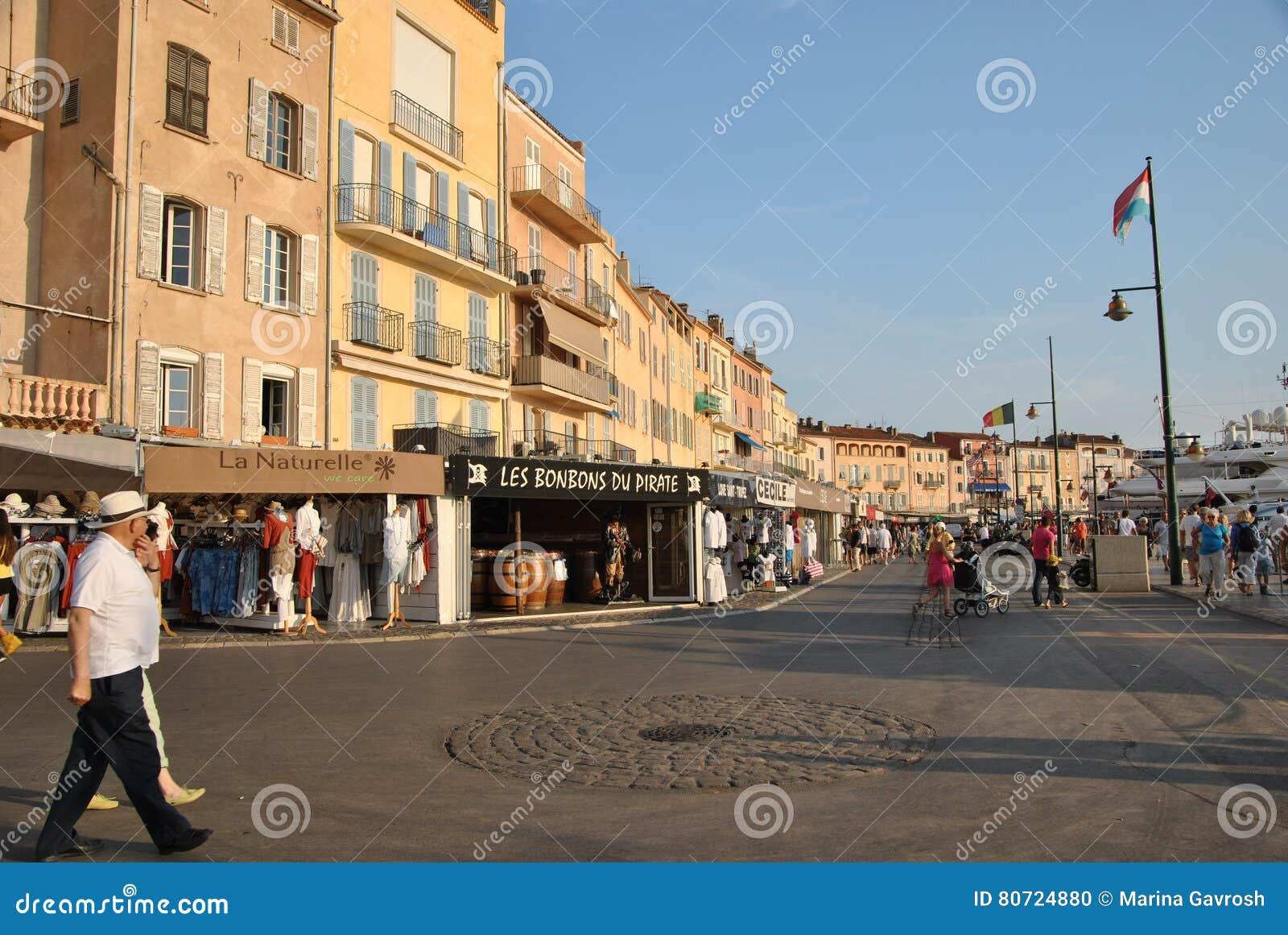 Набережная в St Tropez