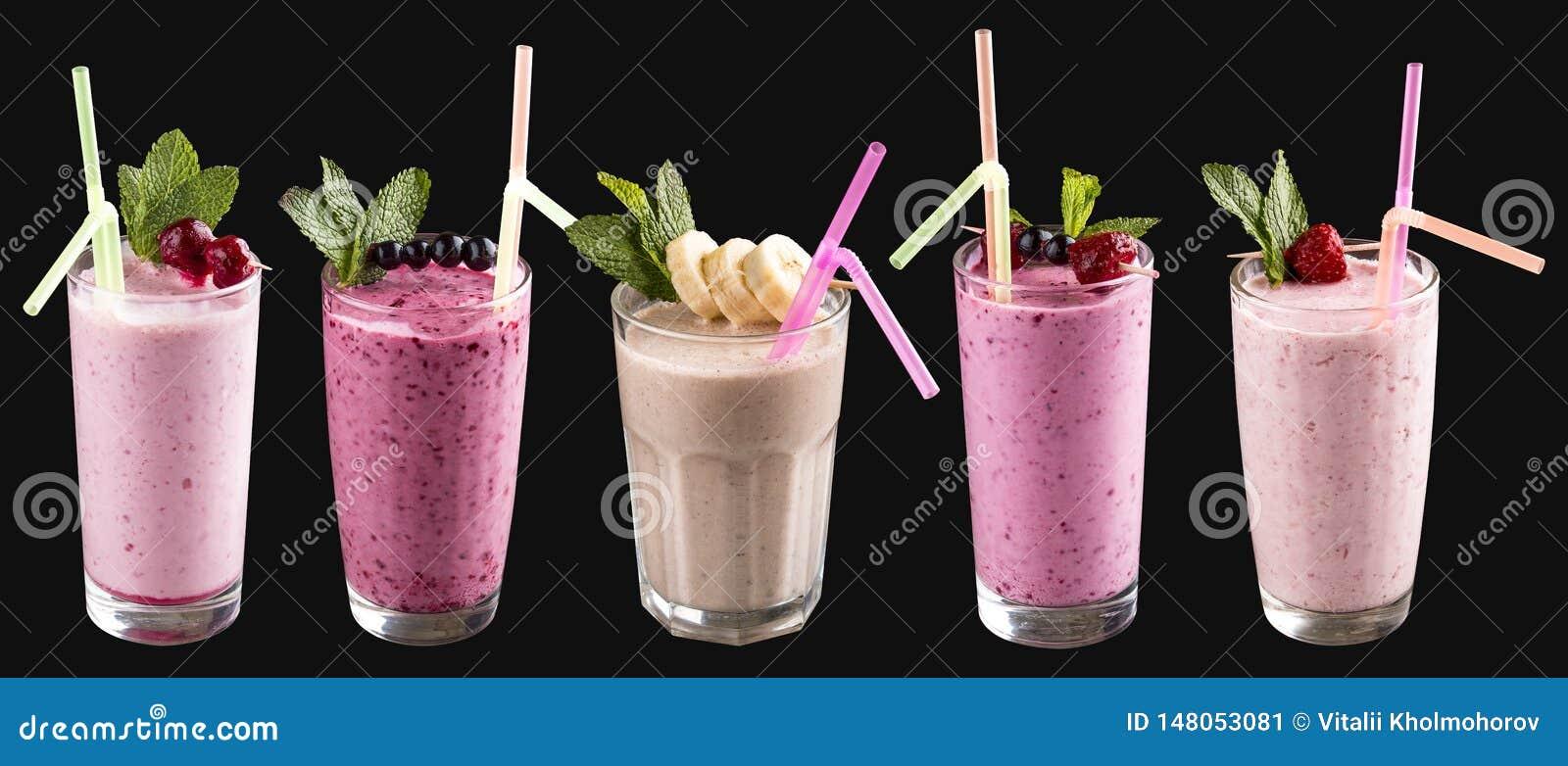 Набор milkshakes и smoothies в стеклах