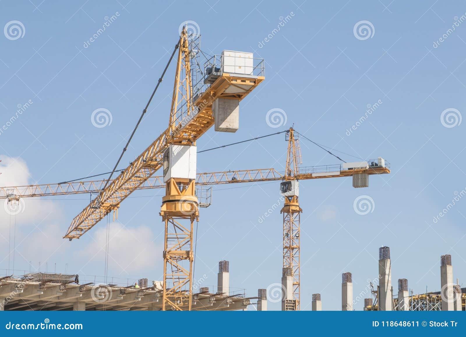 над краном конструкции
