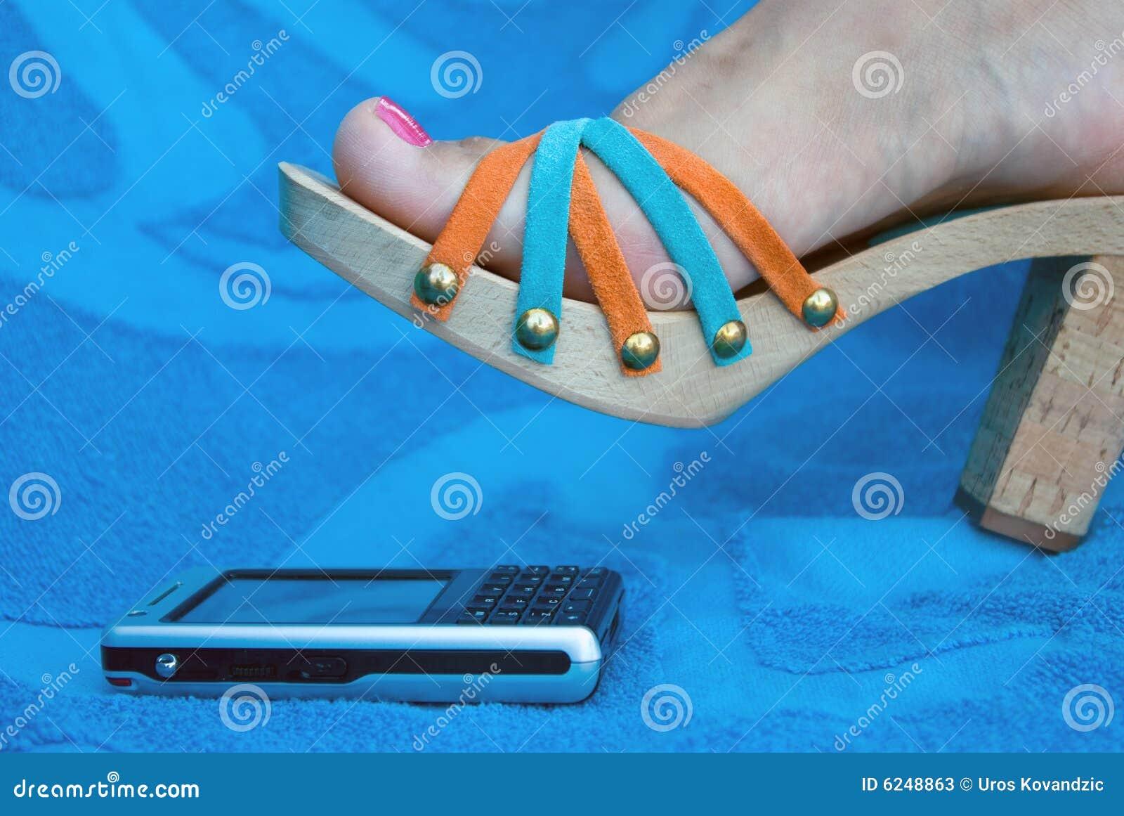 Женские ноги на мобильник — 3