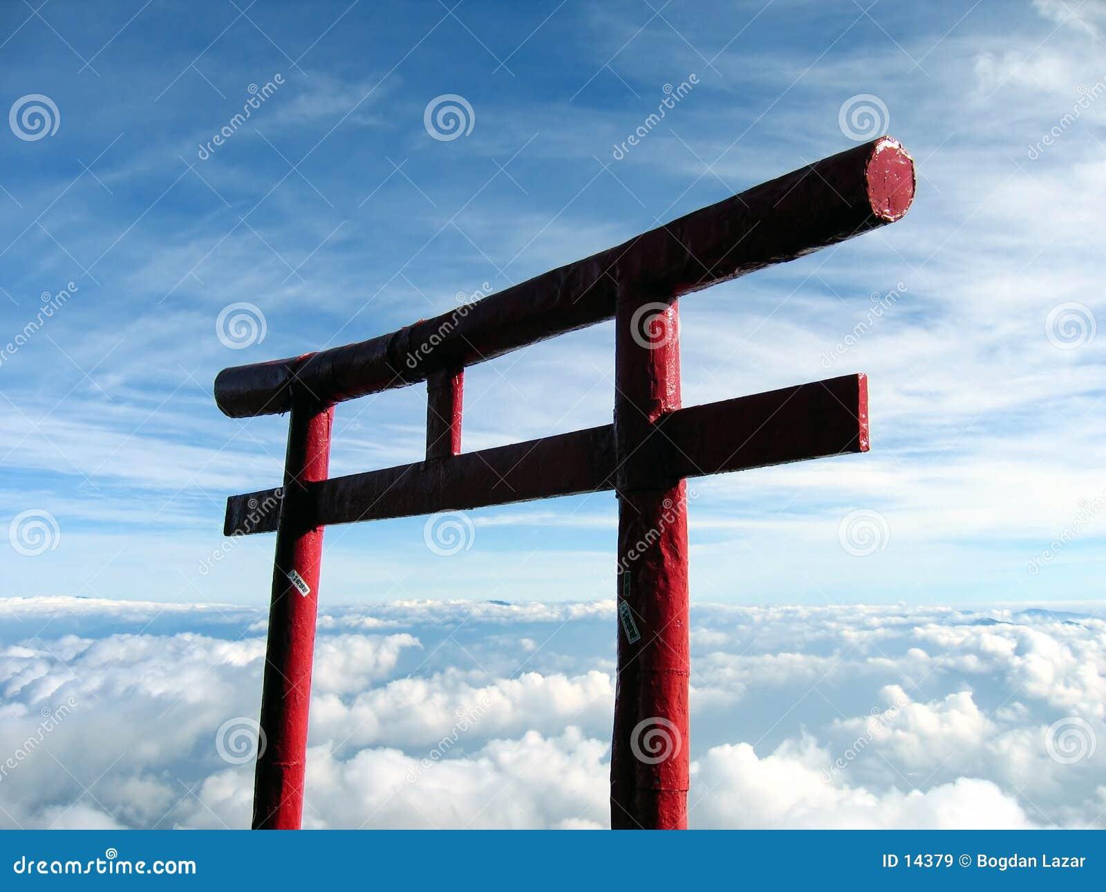над otori fuji японии mt облаков