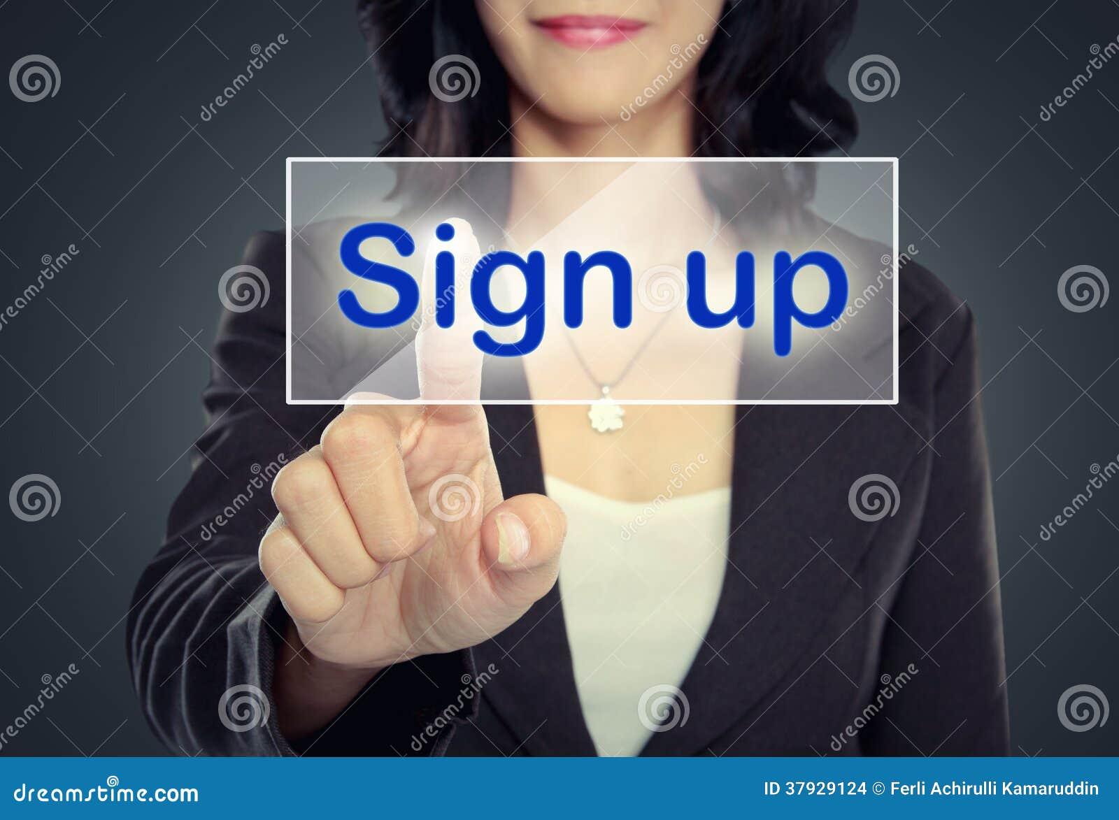Нажим женщины для того чтобы подписать вверх кнопку