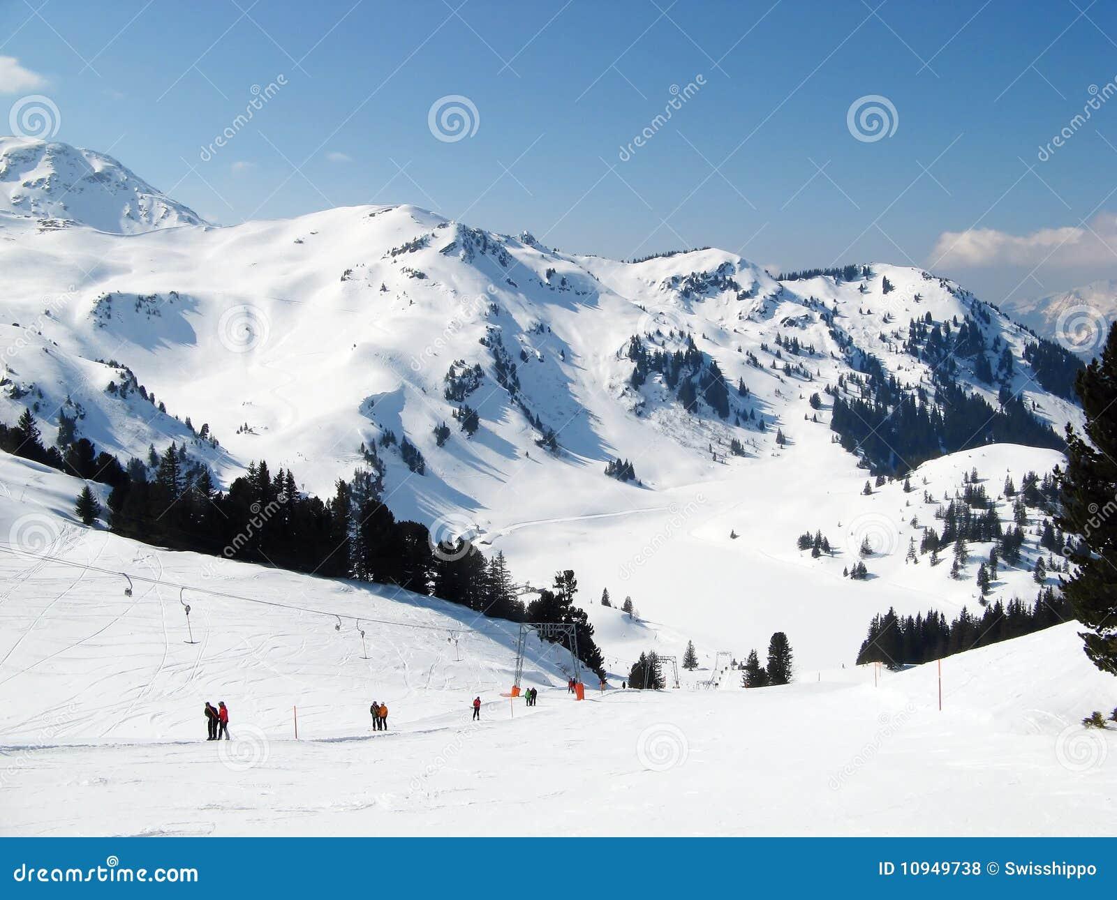 наклон катания на лыжах