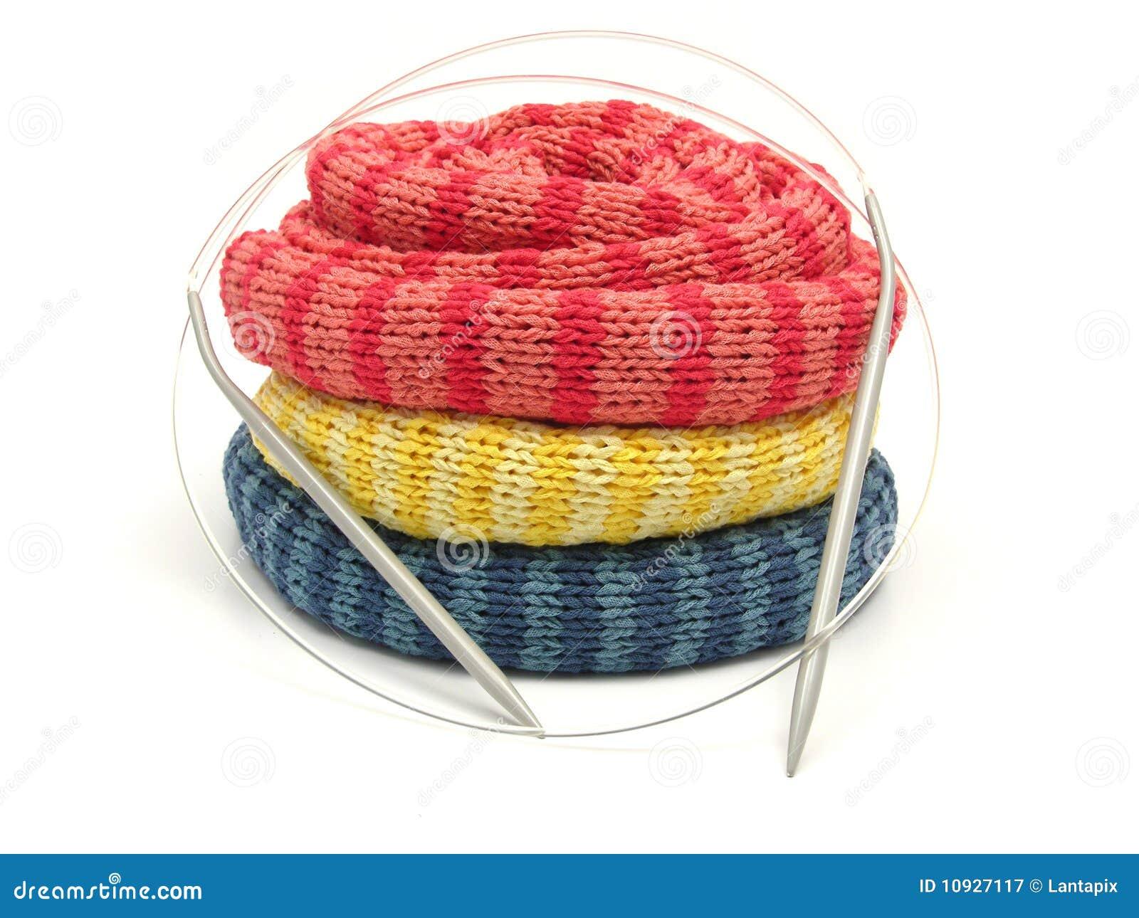 намотанные шарфы striped 3 вверх