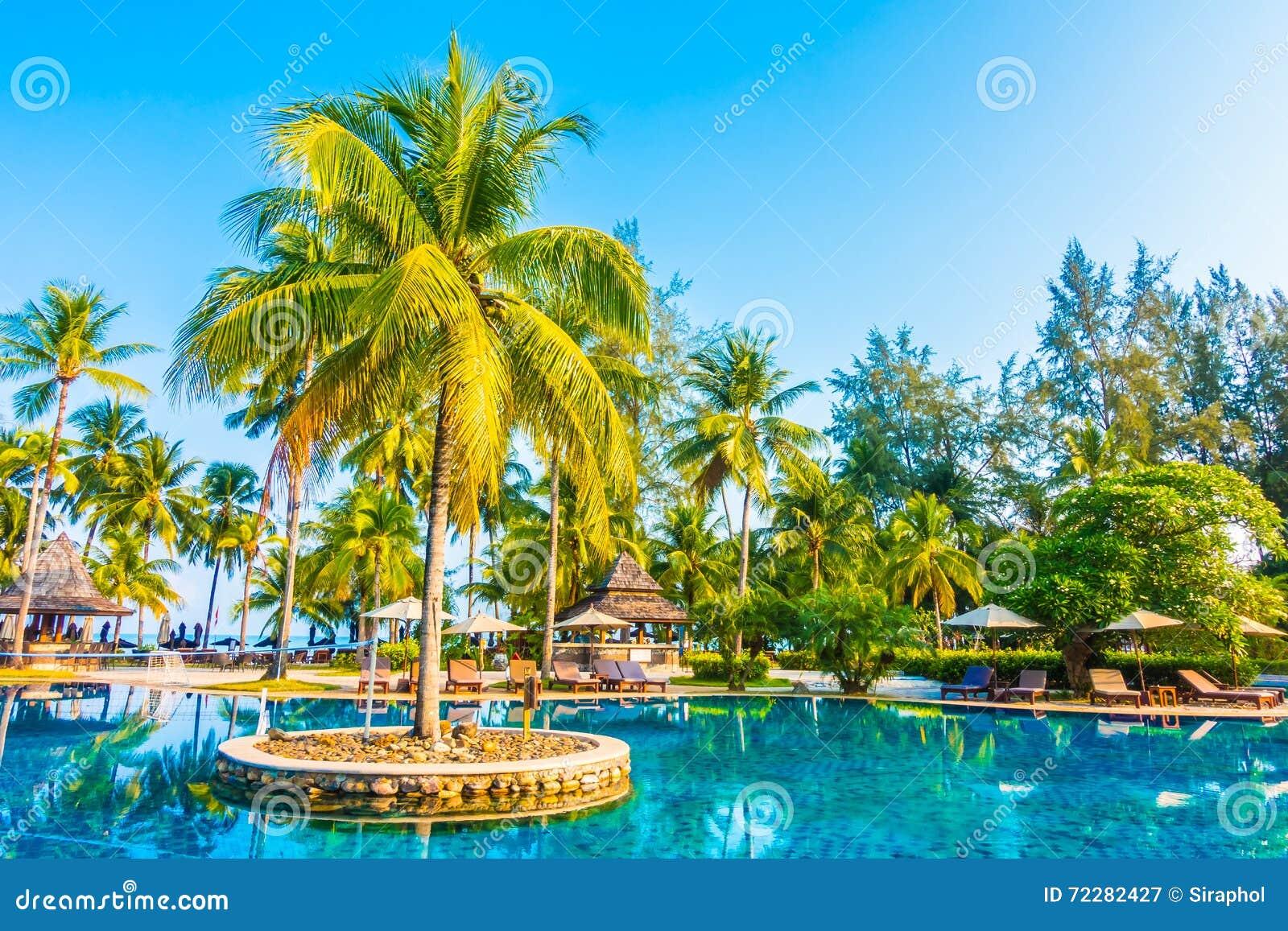 Download напольное заплывание бассеина Стоковое Изображение - изображение насчитывающей лето, океан: 72282427