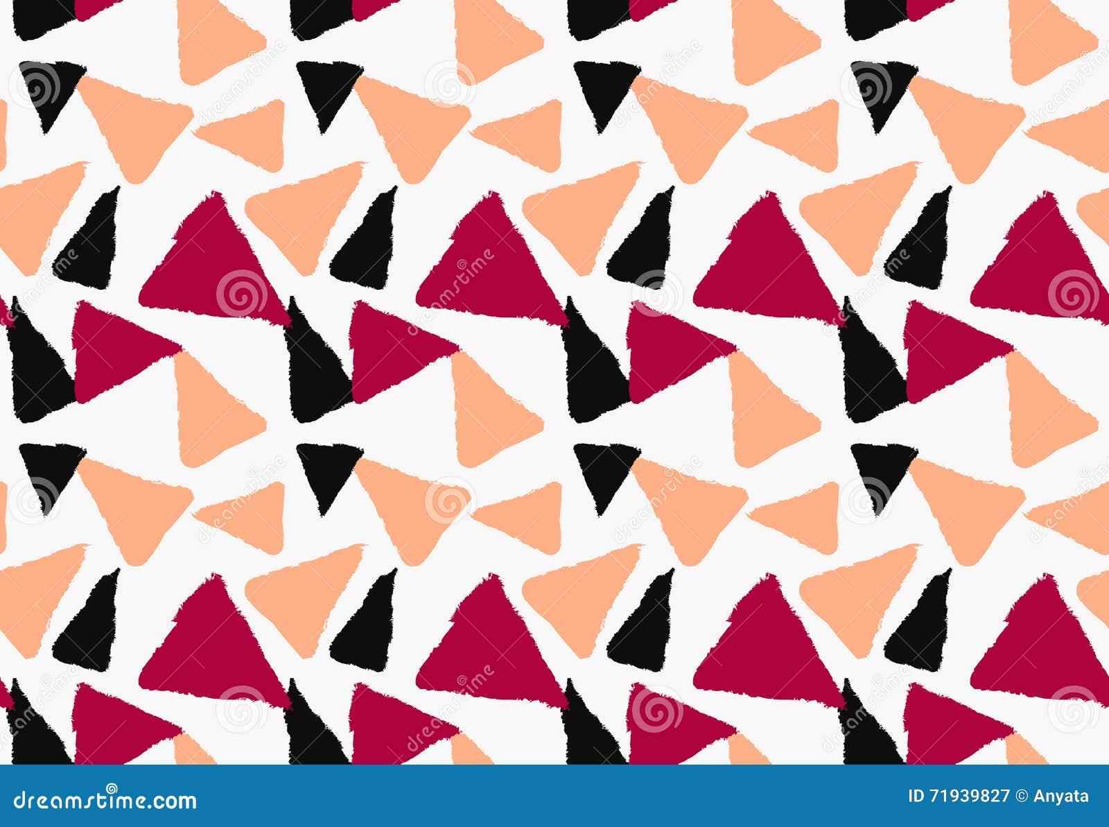 Нарисованные отметкой оранжевого треугольники красного цвета и черноты