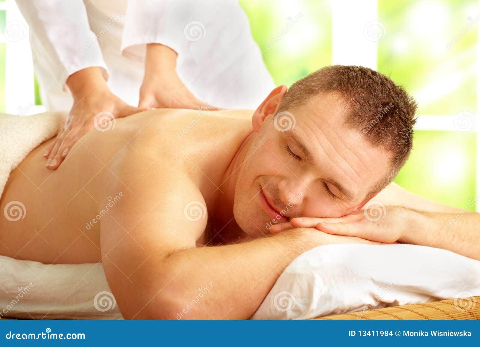 наслаждаться мыжской обработкой массажа