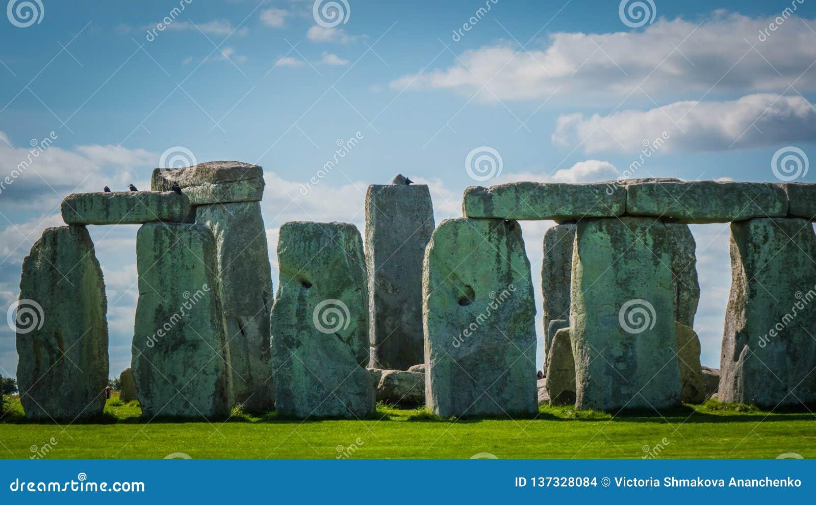 Наследие ЮНЕСКО Стоунхендж в конце Великобритании вверх по фото