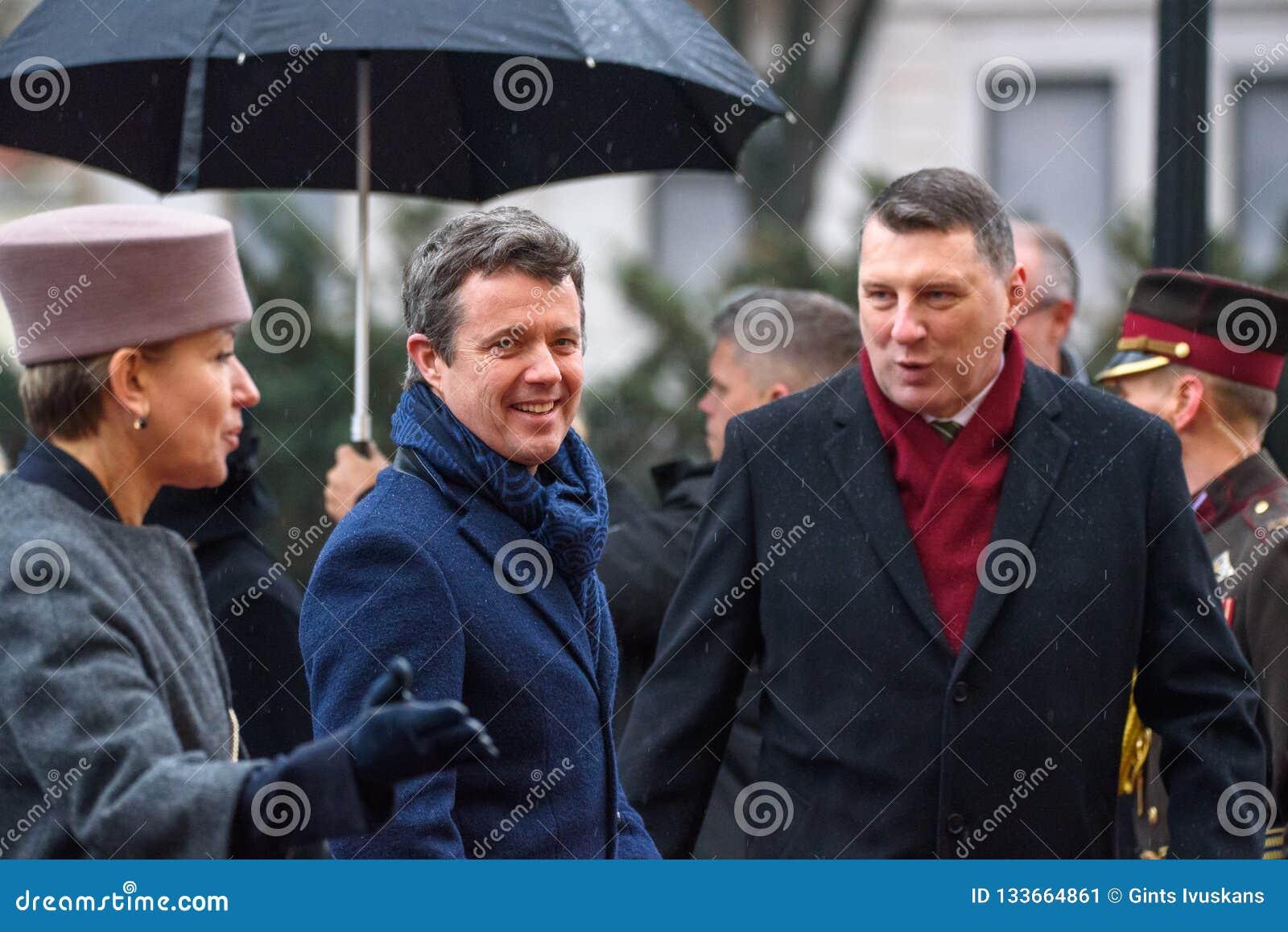 Наследный принц Дании Frederik и Raimonds Vejonis, президент Латвии