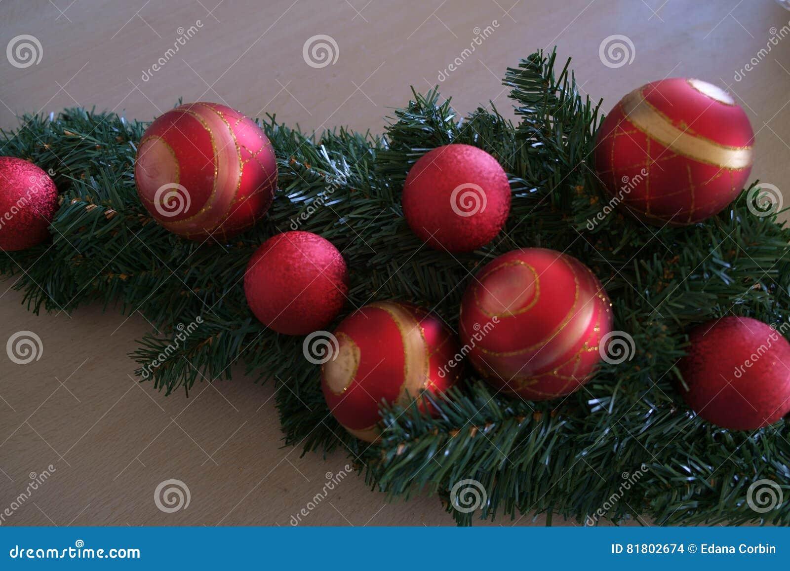 Натюрморт шариков рождественской елки