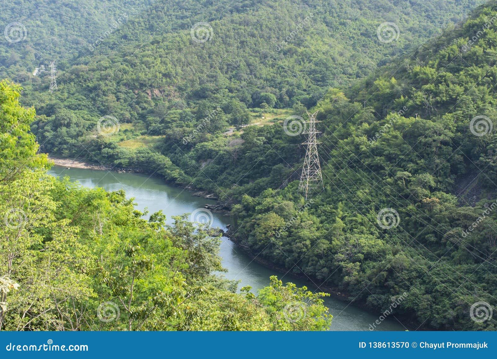 Национальный парк запруды Bhumibol природы горы и Rever, Tak, Таиланд