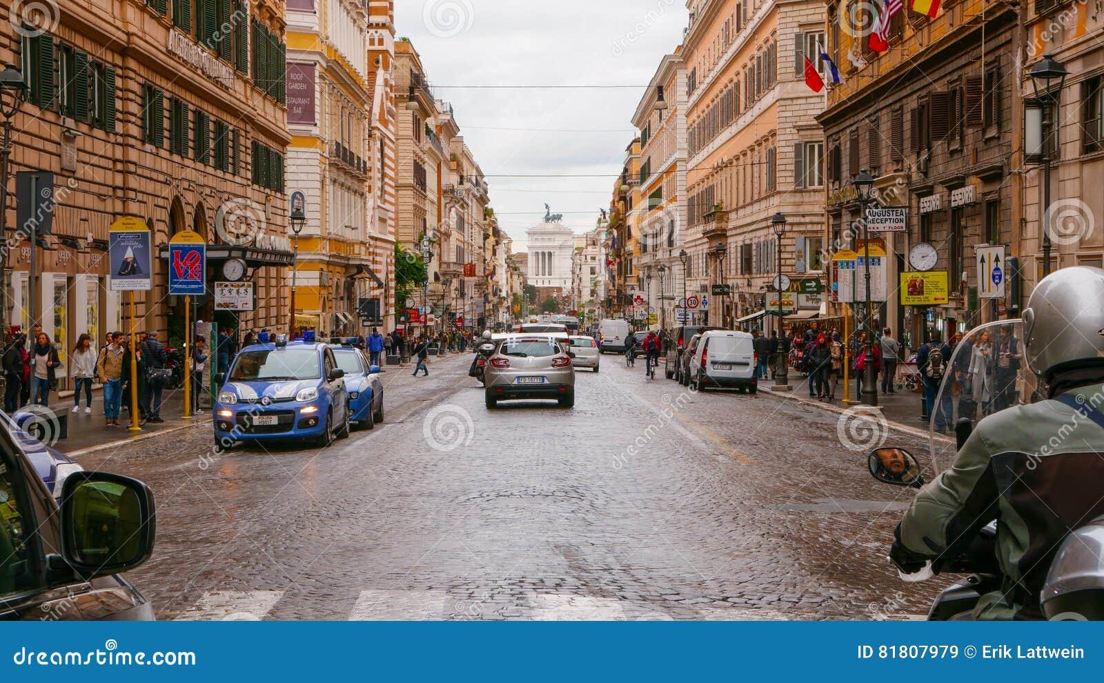 Национальная улица в Риме вызвала через Nazionale