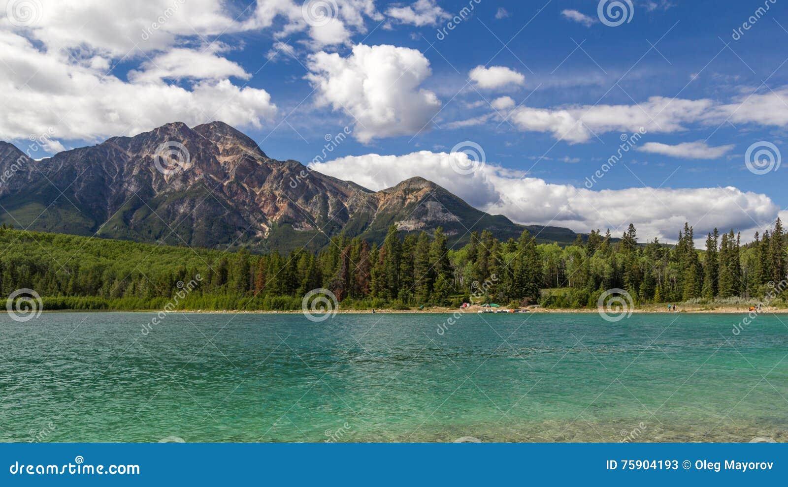Национальный парк Альберта яшмы озера Патриция горы пирамиды, Канада