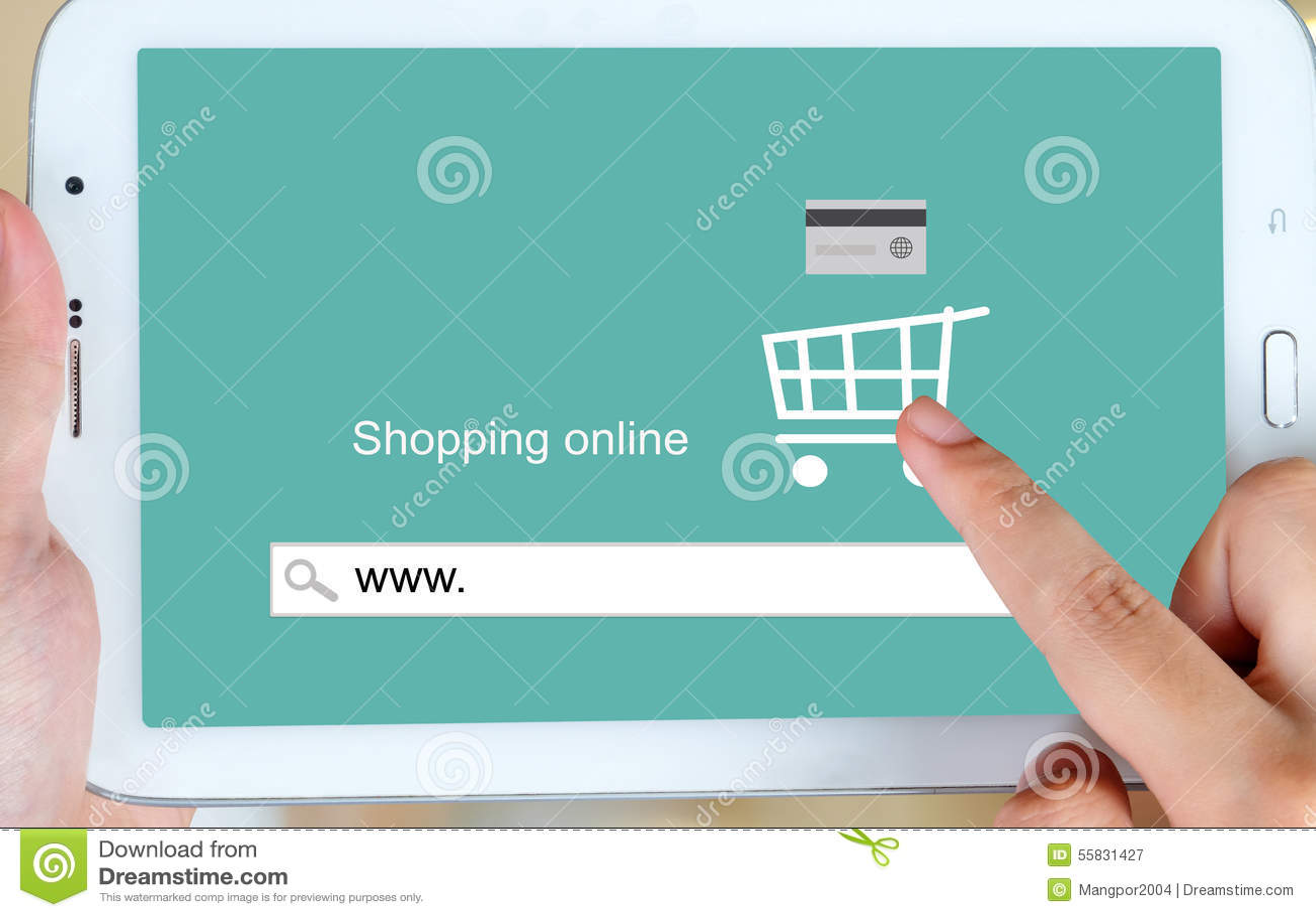 На линии покупках на экране таблетки, электронная коммерция