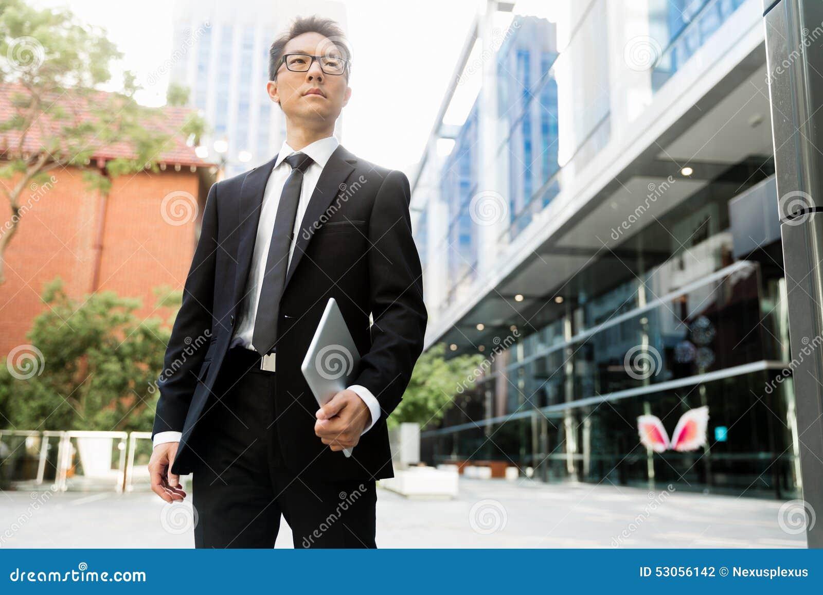 https://thumbs.dreamstime.com/z/%D0%BD%D0%B0-%D0%BC%D0%BE%D0%B5%D0%BC-%D0%BF%D1%83%D1%82%D0%B8-%D0%BA-%D1%83%D1%81%D0%BF%D0%B5%D1%85%D1%83-53056142.jpg