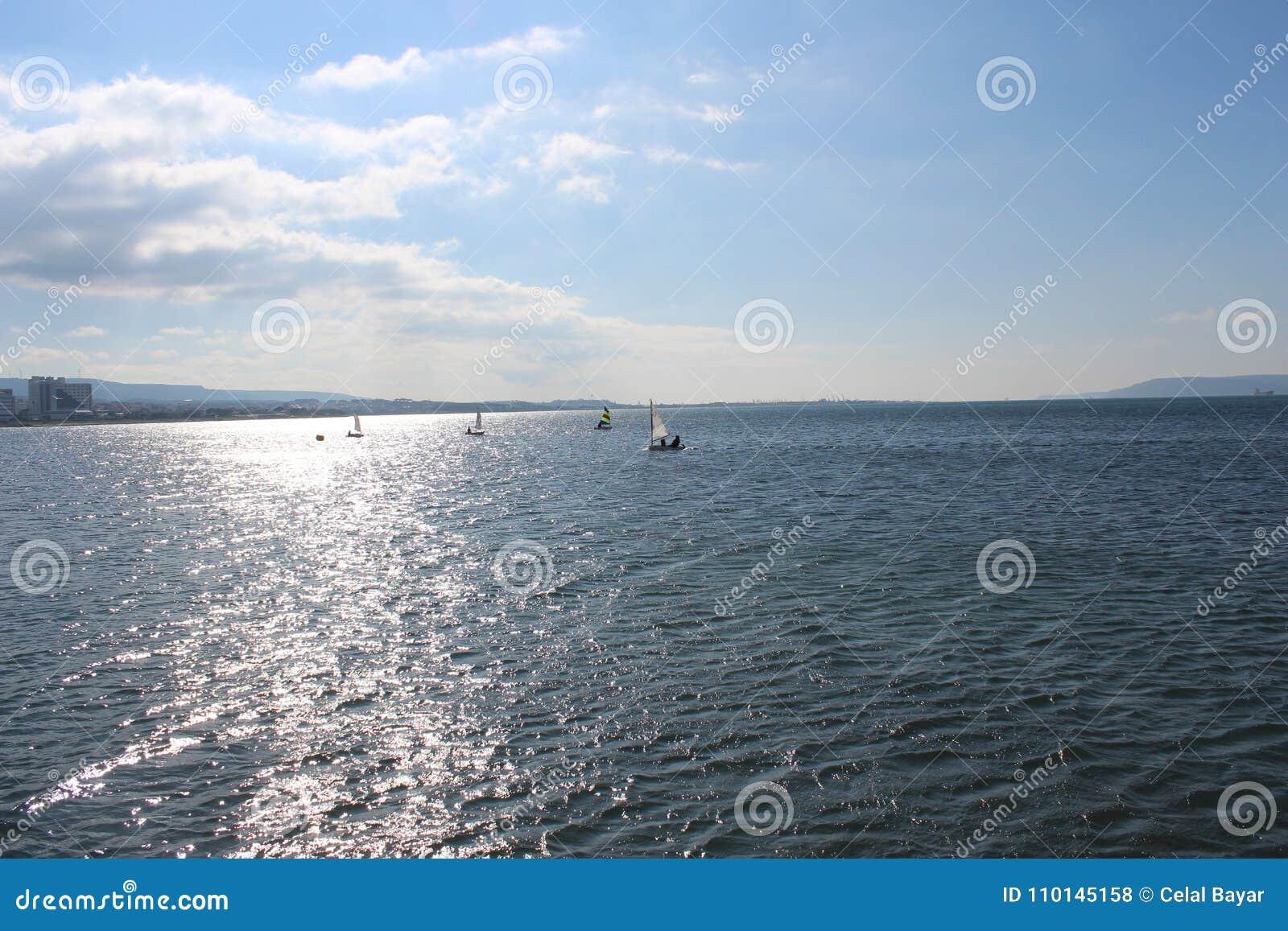 Небеса моря и затишья