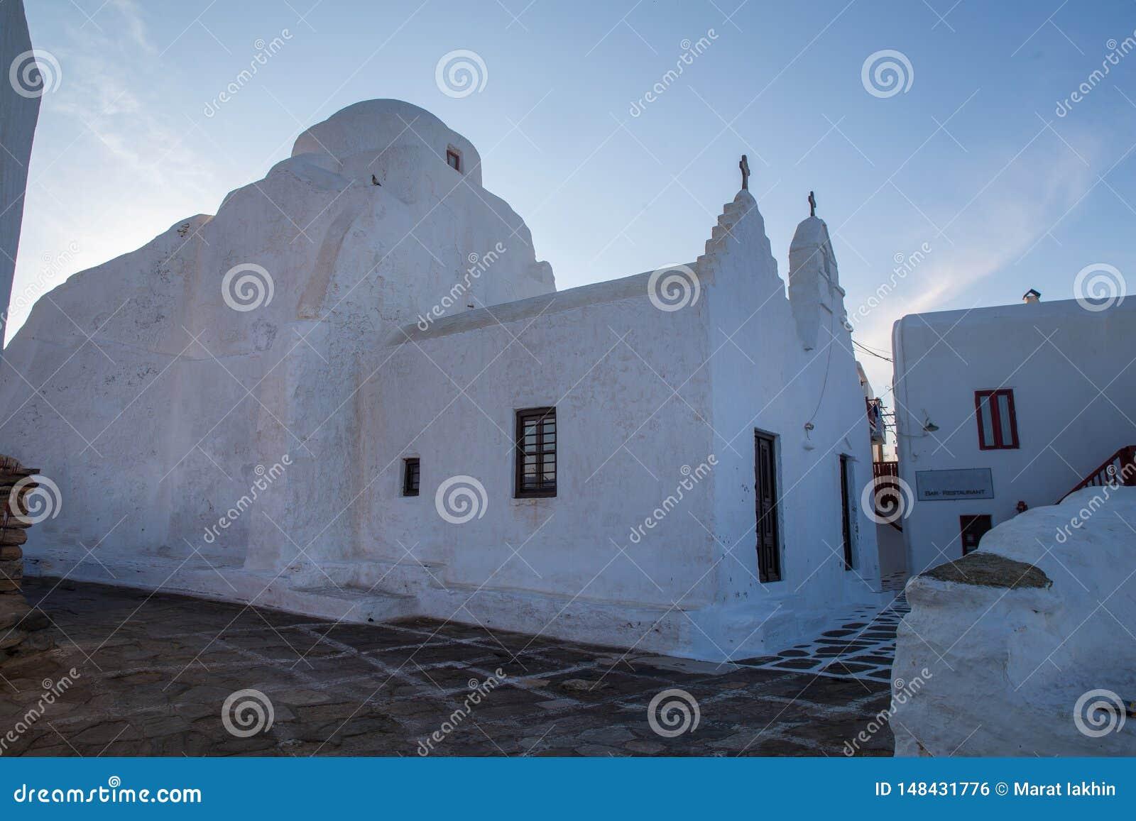 Небольшая христианская церковь