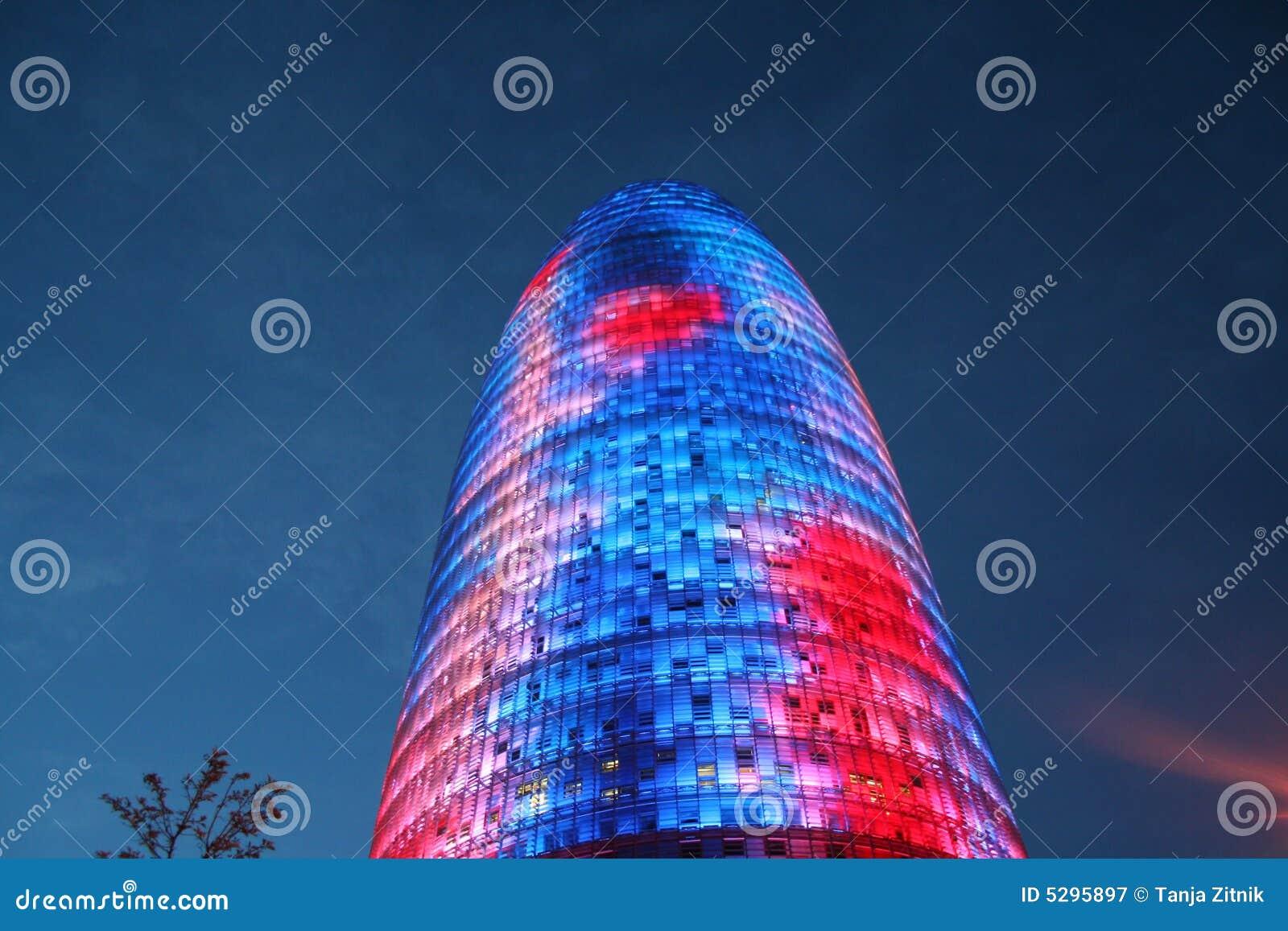 небоскреб barcelona