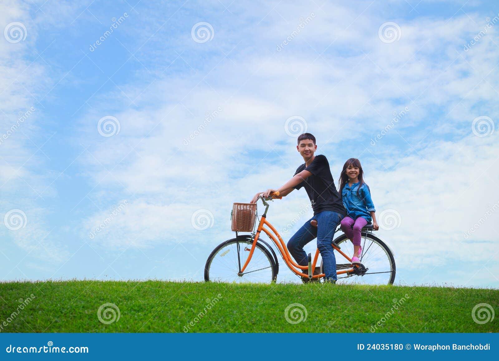 небо велосипеда голубое
