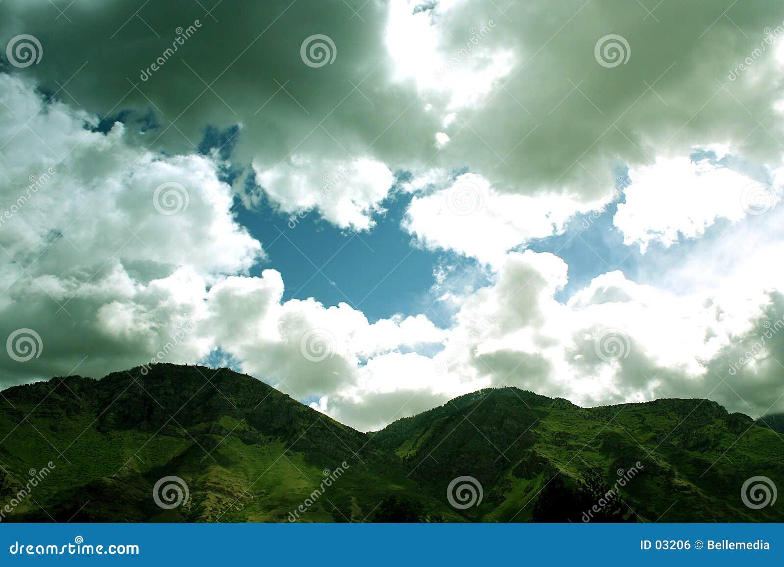 небо гор