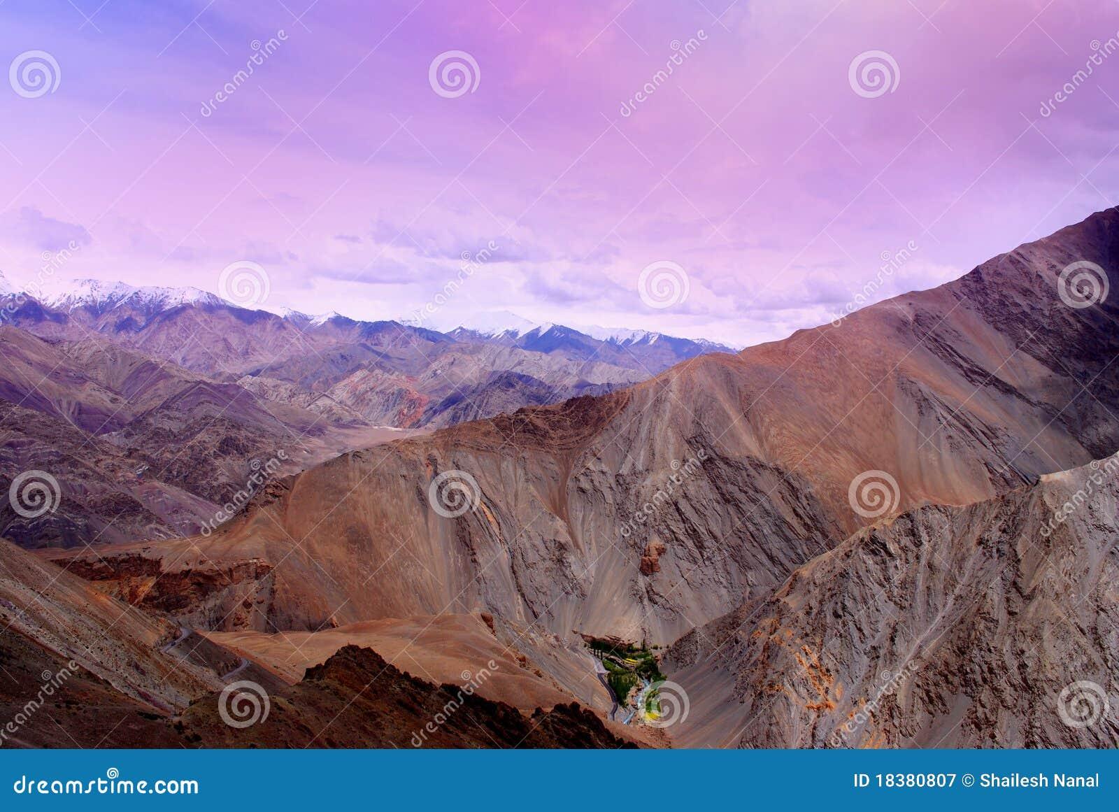 небо померанца гор ladakh lavendar