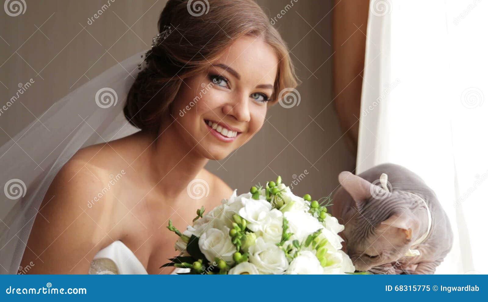 Невеста с котом фото