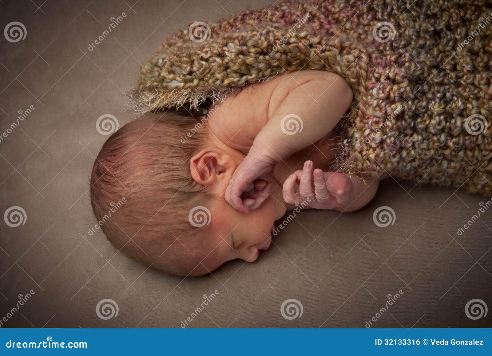 Невиновный Newborn младенец