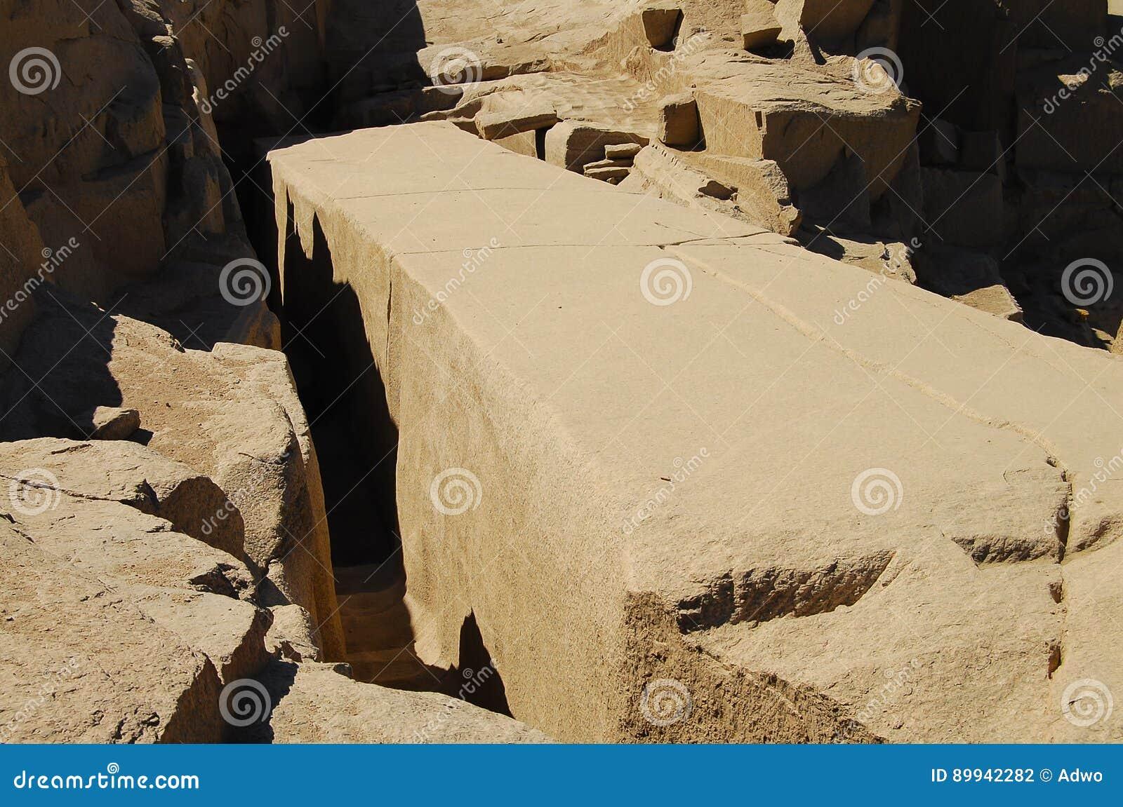 Незаконченный обелиск Асуана (7 фото) картинки