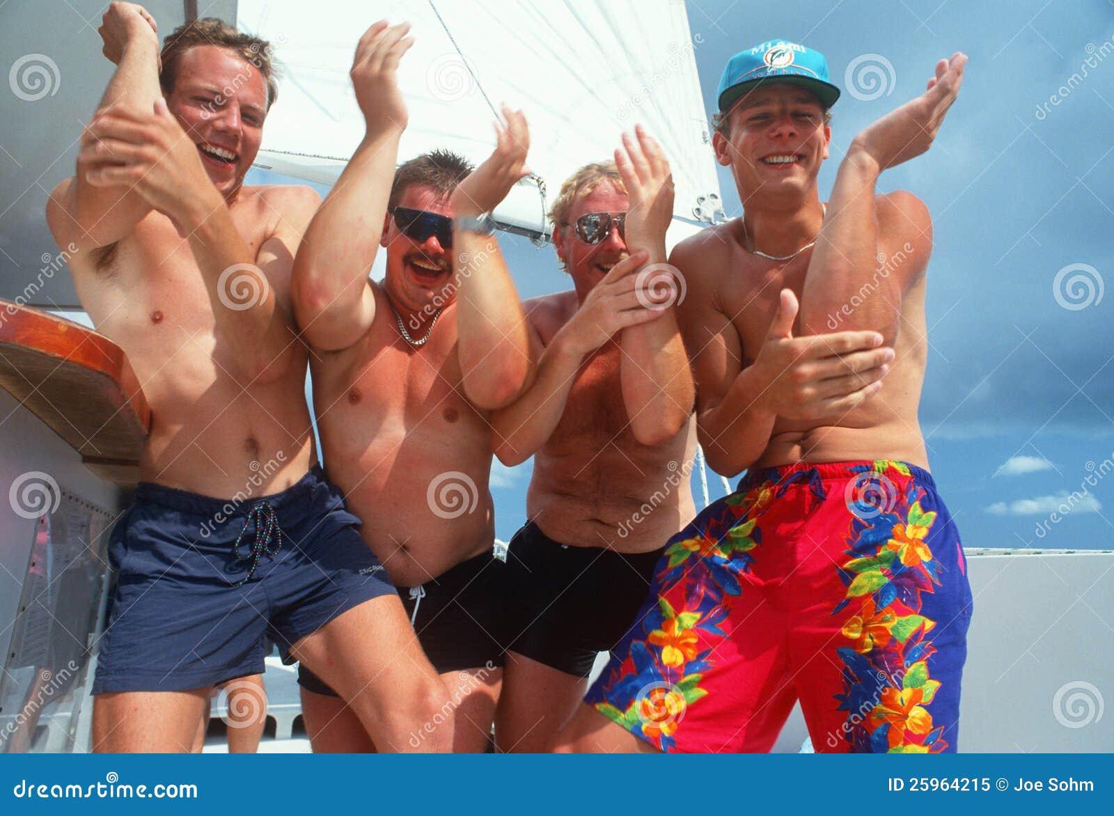 Русские пьяные на пляже, Русское пьяное порно на 1 фотография