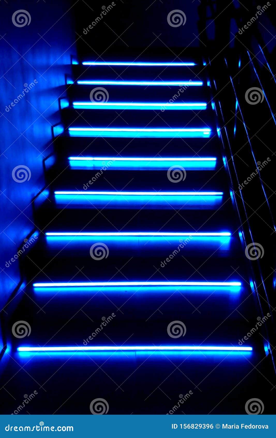 Лестница ночного клуба фитнес клуб на профсоюзной москва