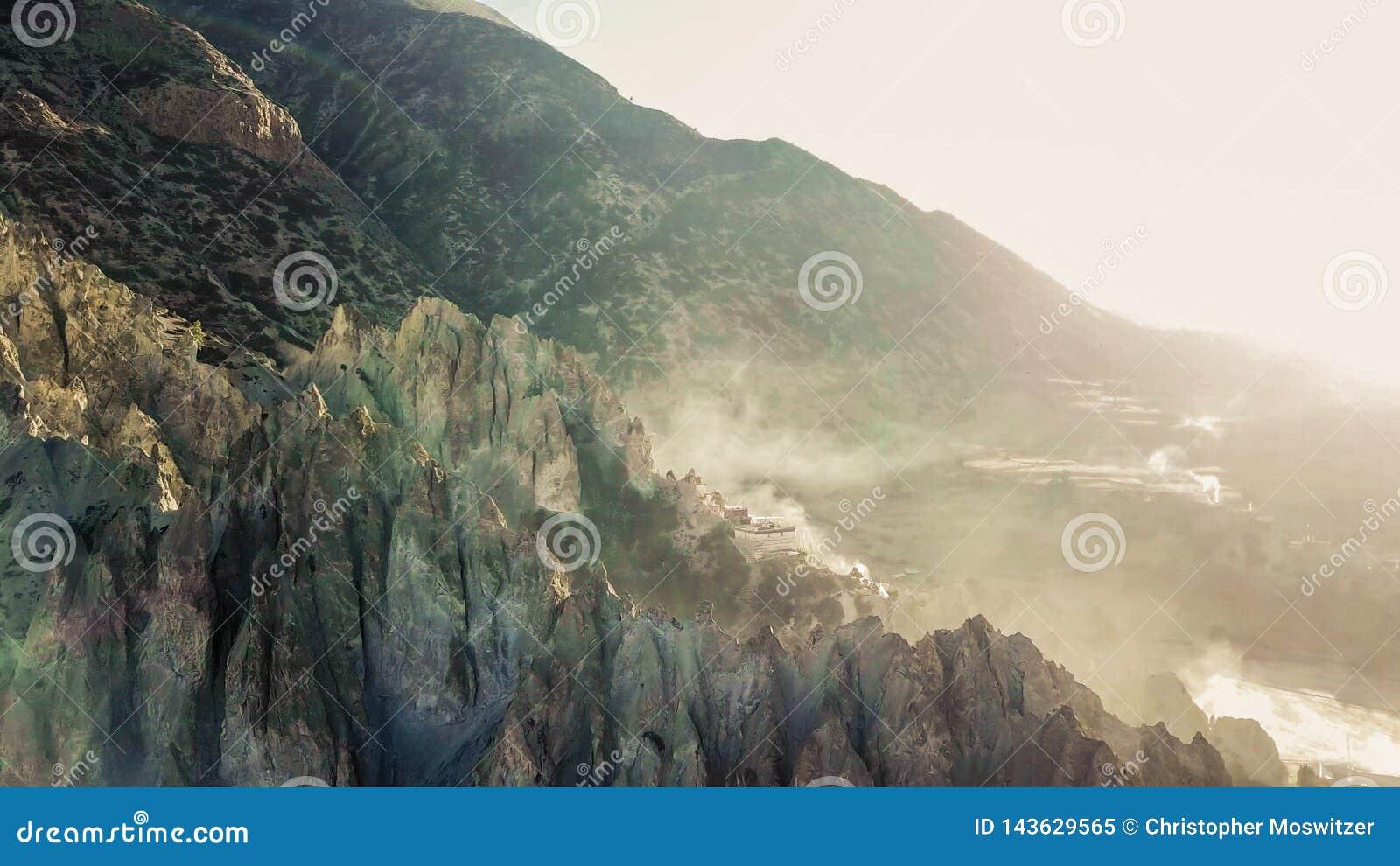 Непал - туман утра в Гималаях