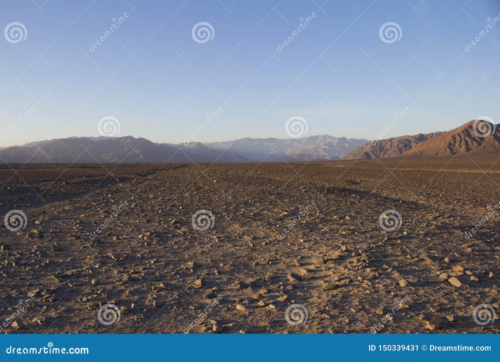 Неурожайное поле грязи в Перу