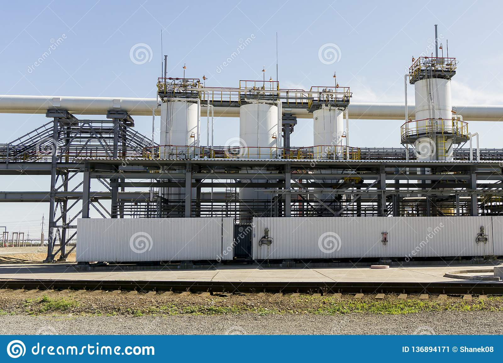 Нефтеперерабатывающее предприятие в России оборудование и комплексы для обработки углерода Раздел технологических столбцов для из