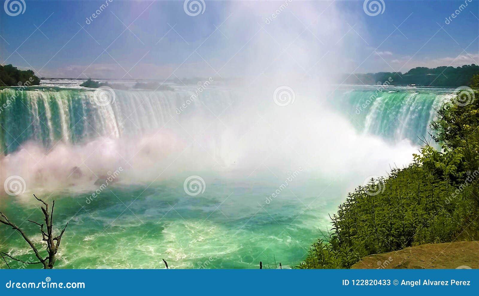 Ниагарский Водопад красивый летний день