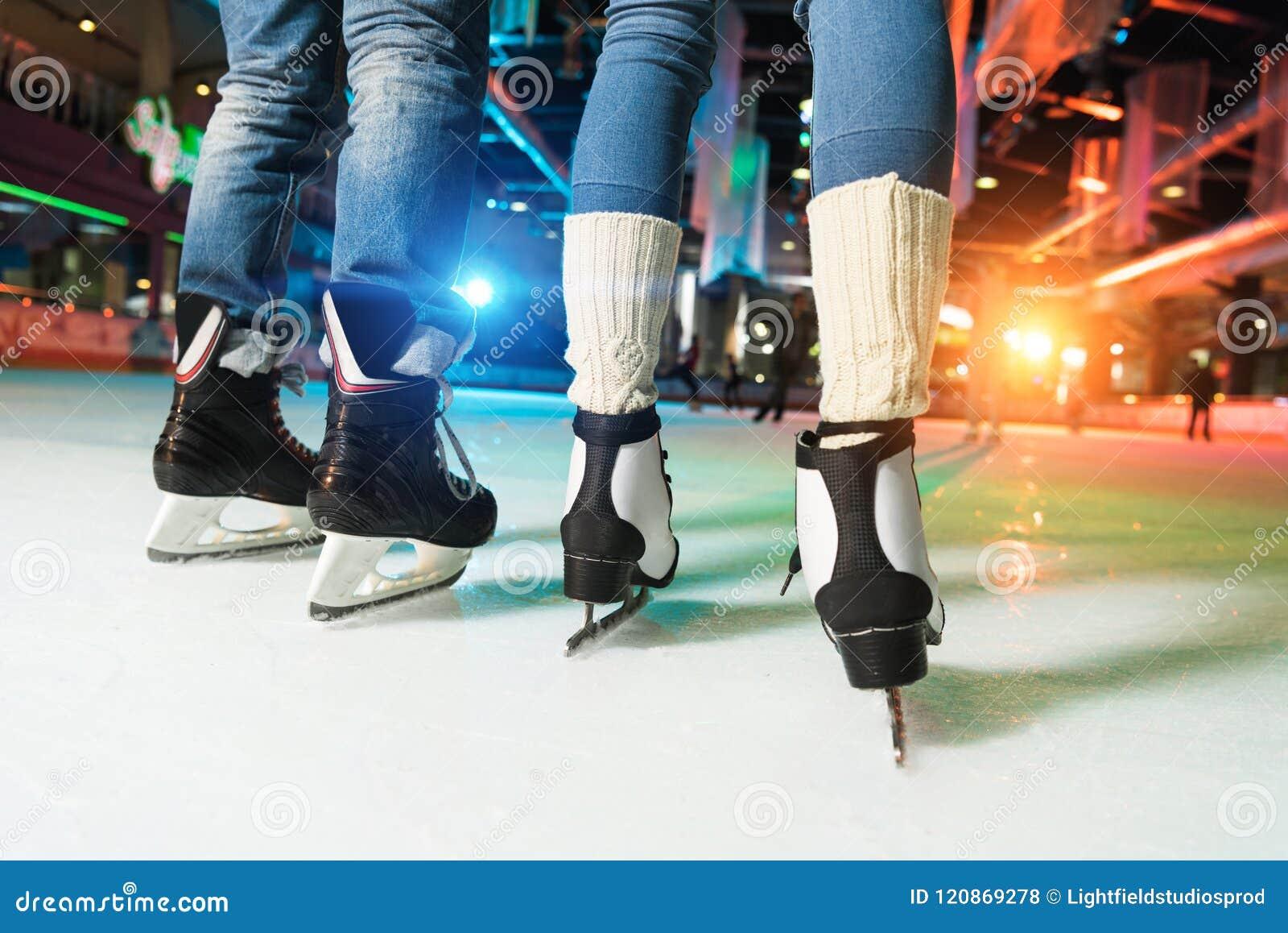 низкий раздел пар в катании на коньках коньков