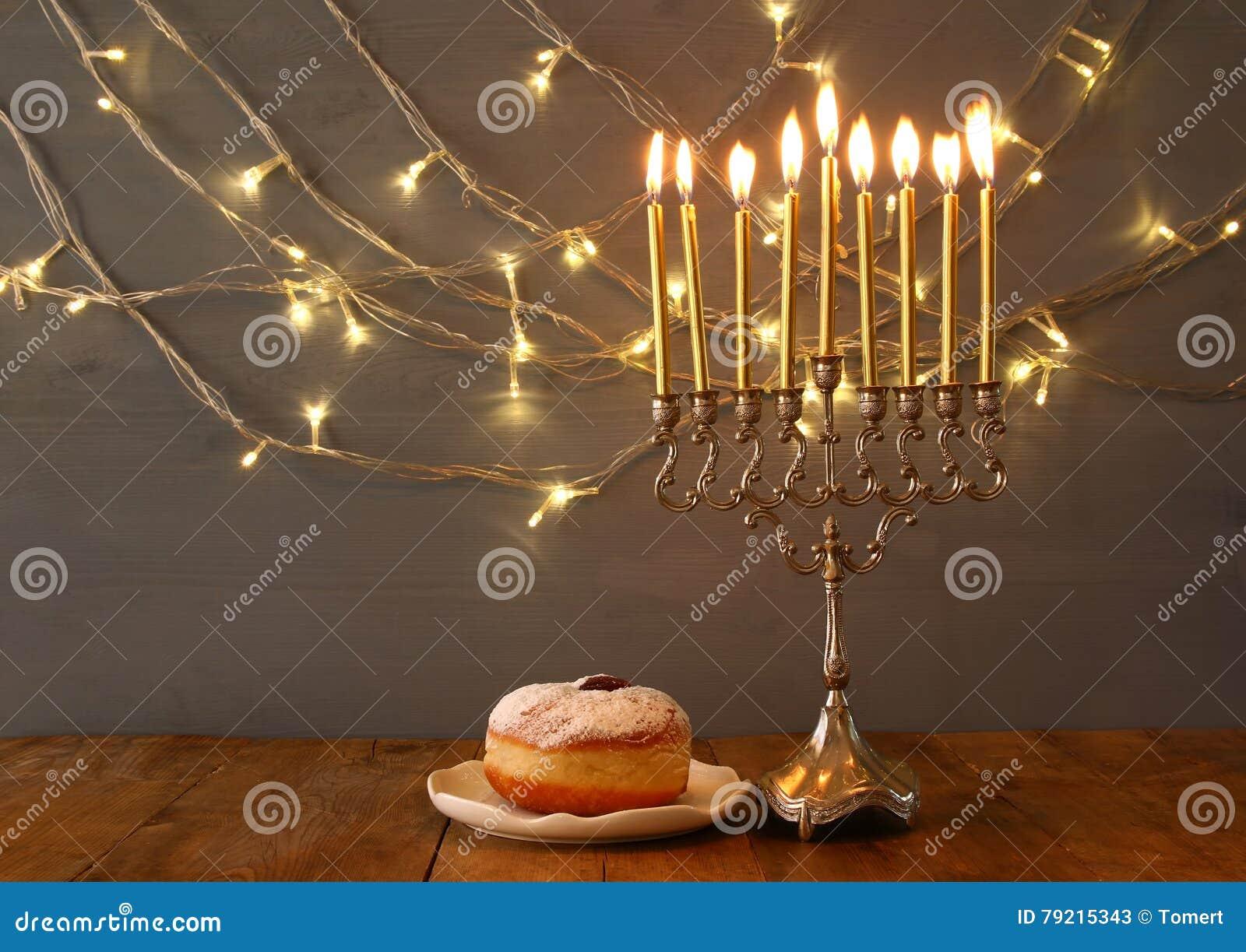 Низкое ключевое изображение еврейского праздника Хануки