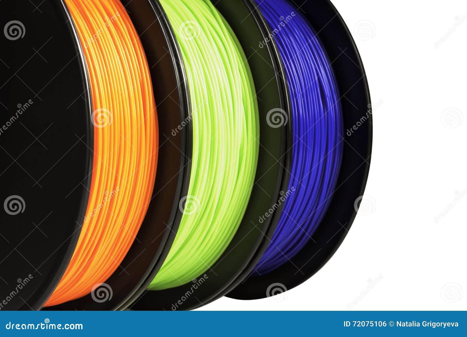 Нить для печатания 3d Яркое termoplastic неоновых цветов апельсина, зеленых и голубых белизна изолированная предпосылкой