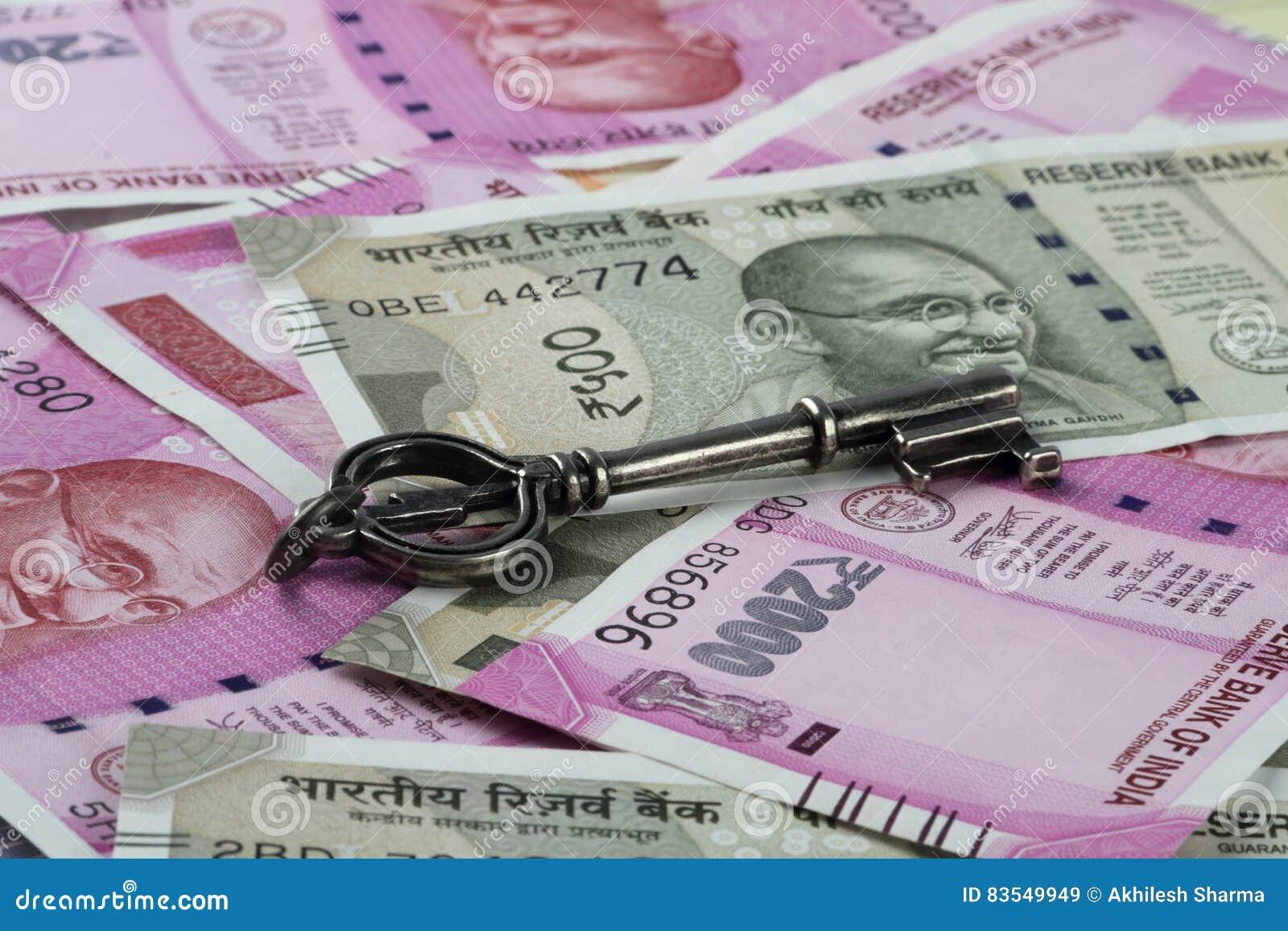 Новое Rs 2000 индийских рупий валюты с ключом