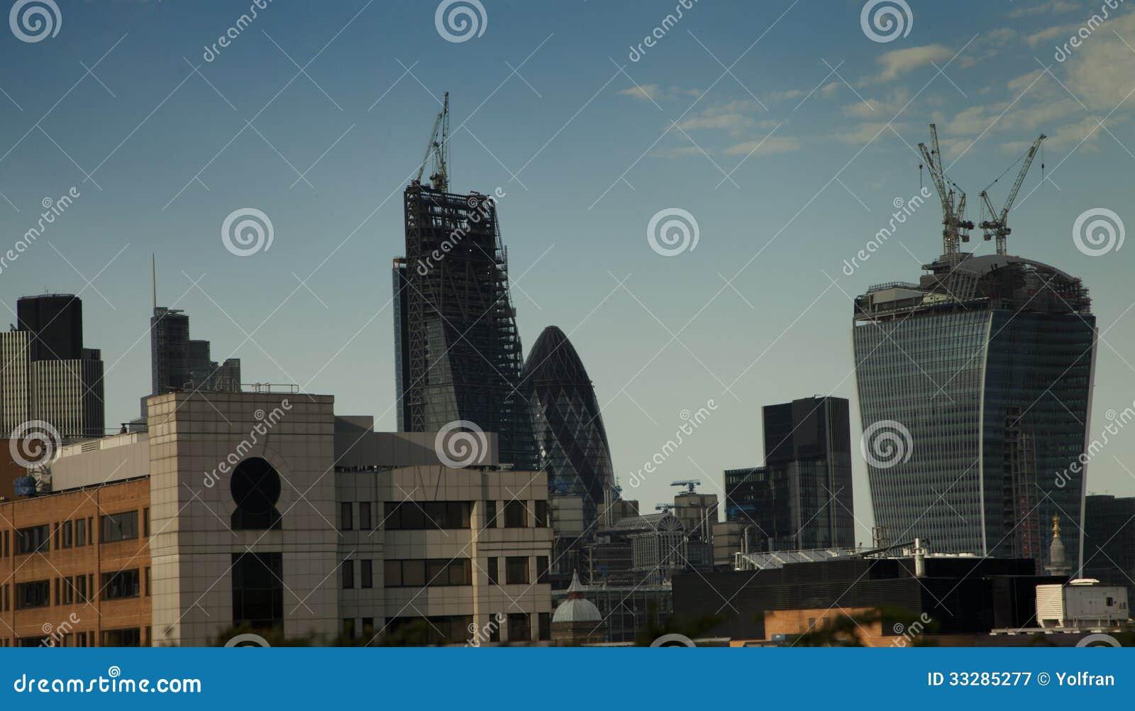 Новые здания небоскреба